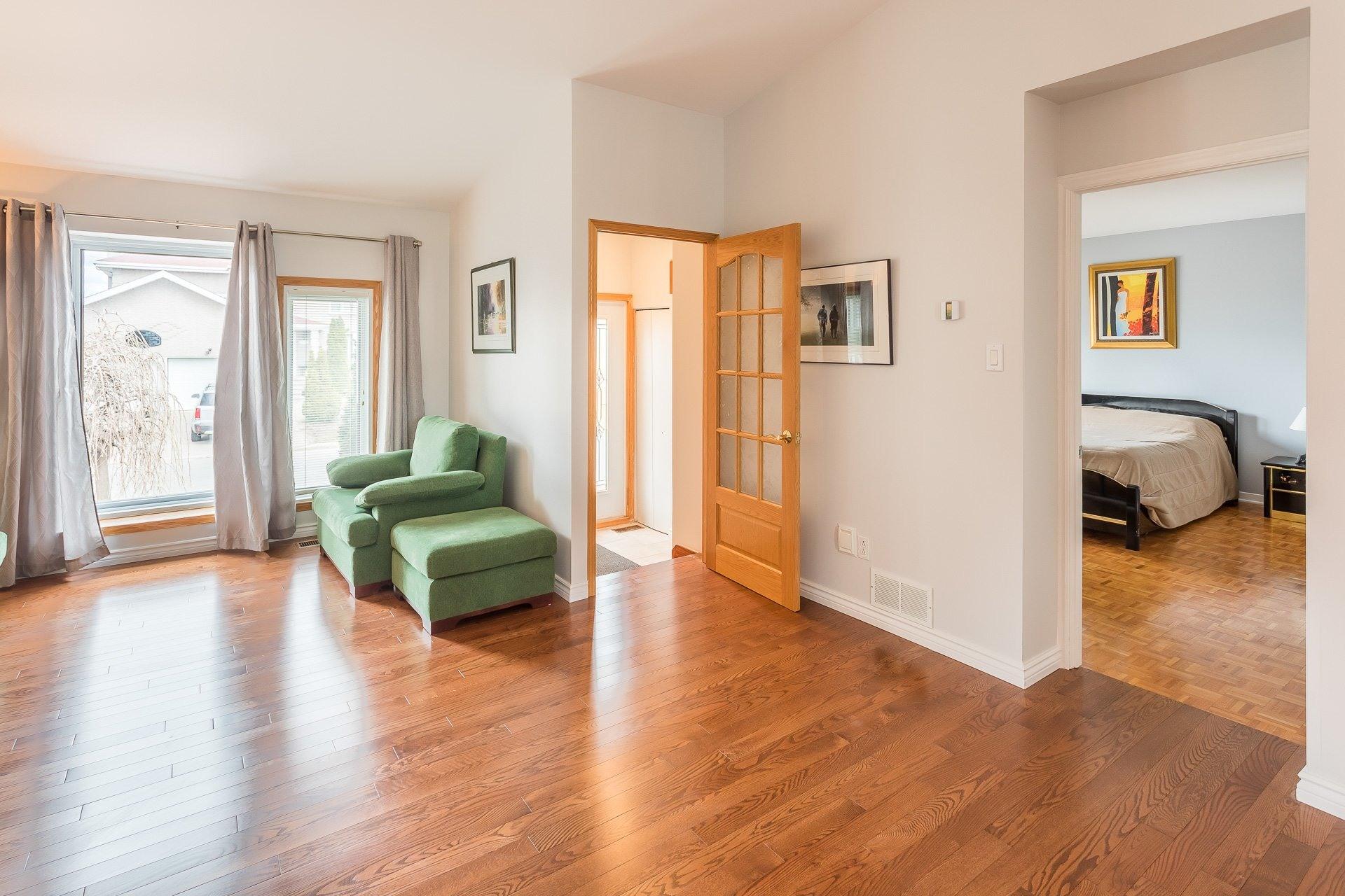 image 5 - Casa In Vendita Vimont Laval  - 9 stanze