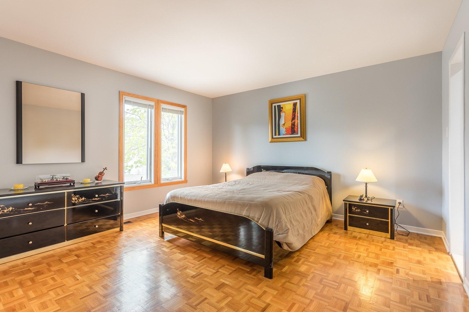 image 6 - Casa In Vendita Vimont Laval  - 9 stanze