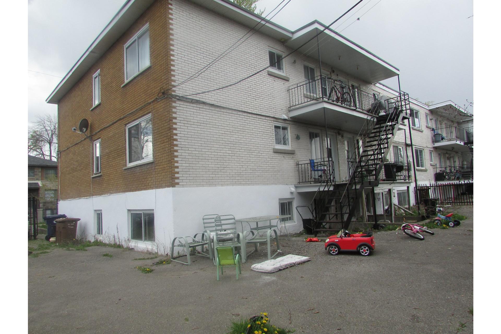 image 2 - Immeuble à revenus À vendre Duvernay Laval  - 5 pièces