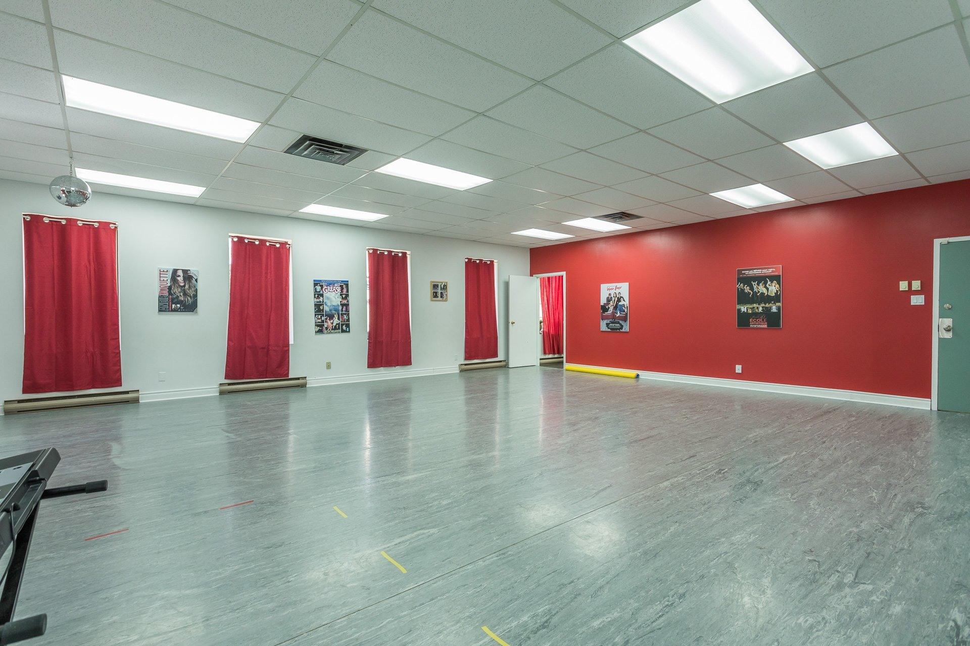 image 4 - Office For rent Anjou Montréal
