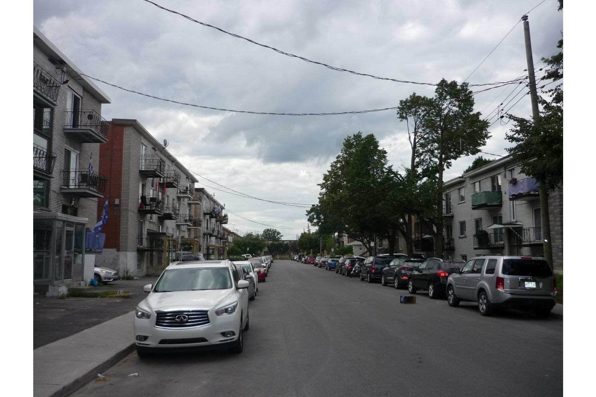 image 30 - Immeuble à revenus À vendre Anjou Montréal  - 5 pièces