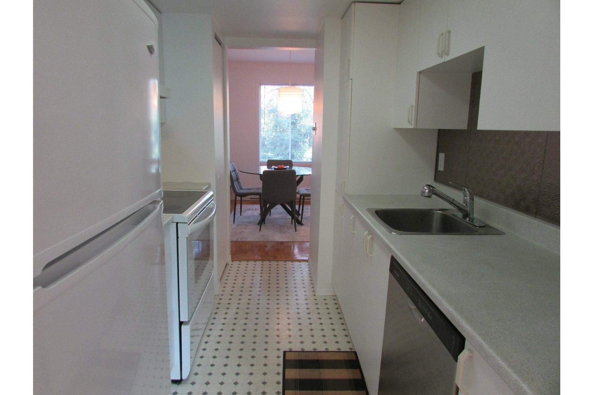 image 5 - House For sale Sainte-Dorothée Laval  - 7 rooms