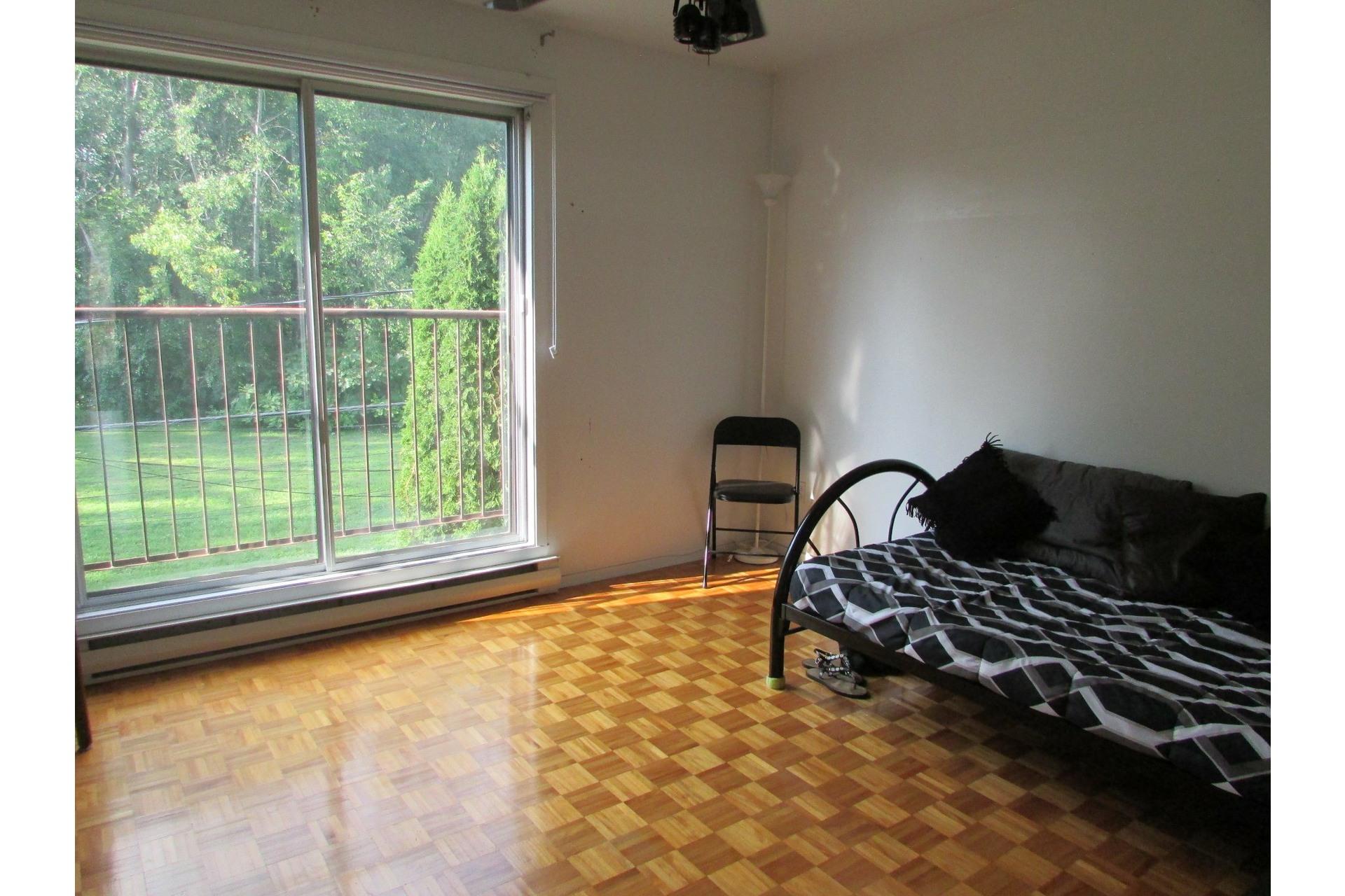 image 10 - House For sale Sainte-Dorothée Laval  - 7 rooms