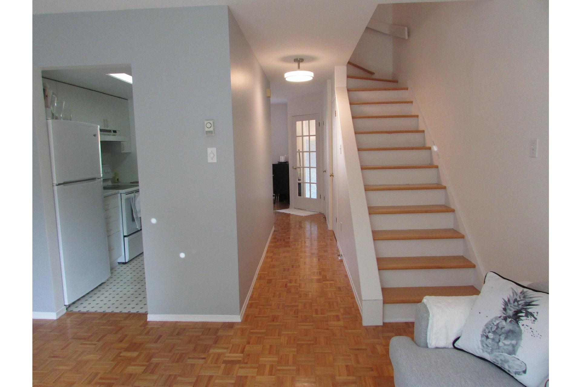 image 7 - House For sale Sainte-Dorothée Laval  - 7 rooms