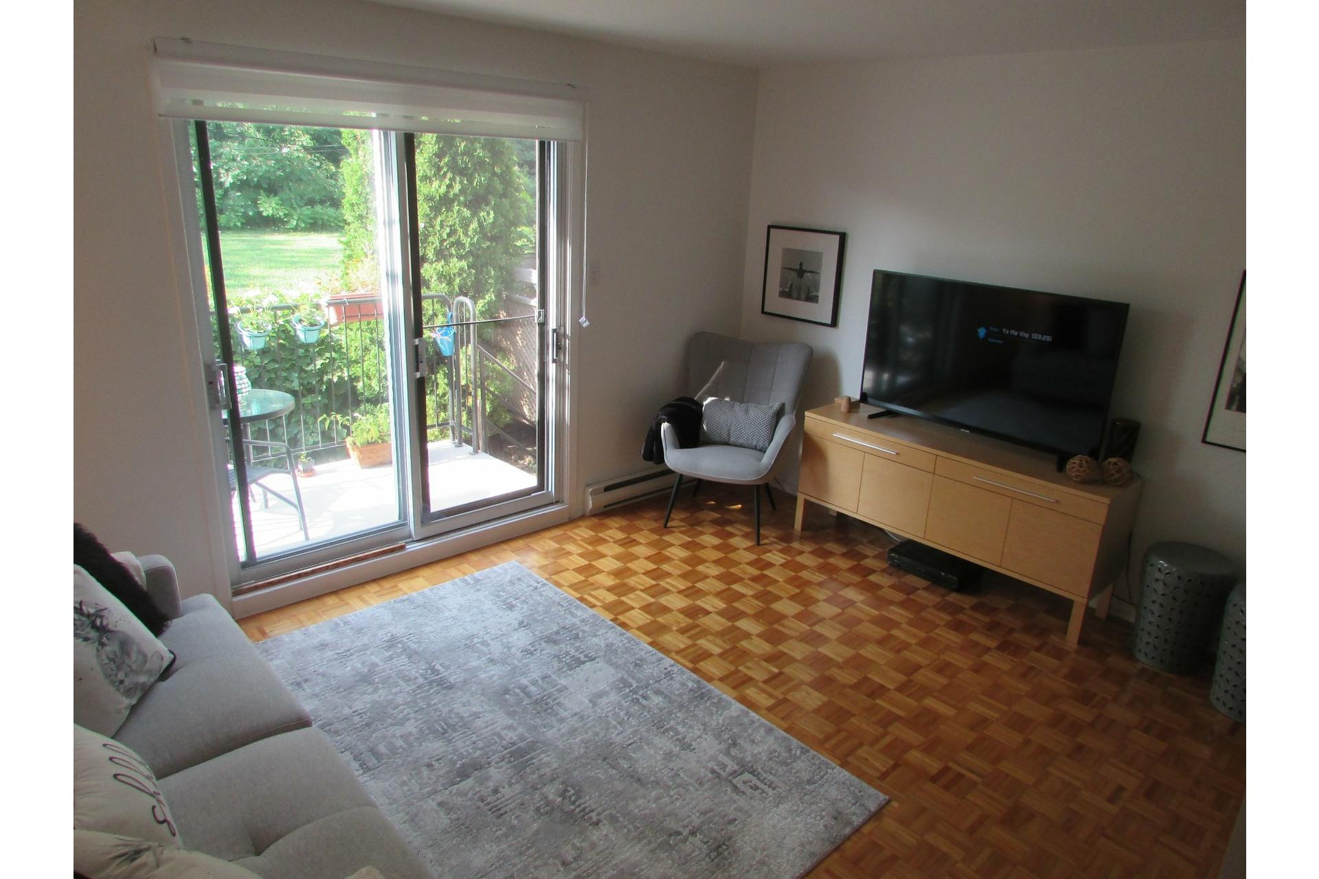 image 1 - House For sale Sainte-Dorothée Laval  - 7 rooms