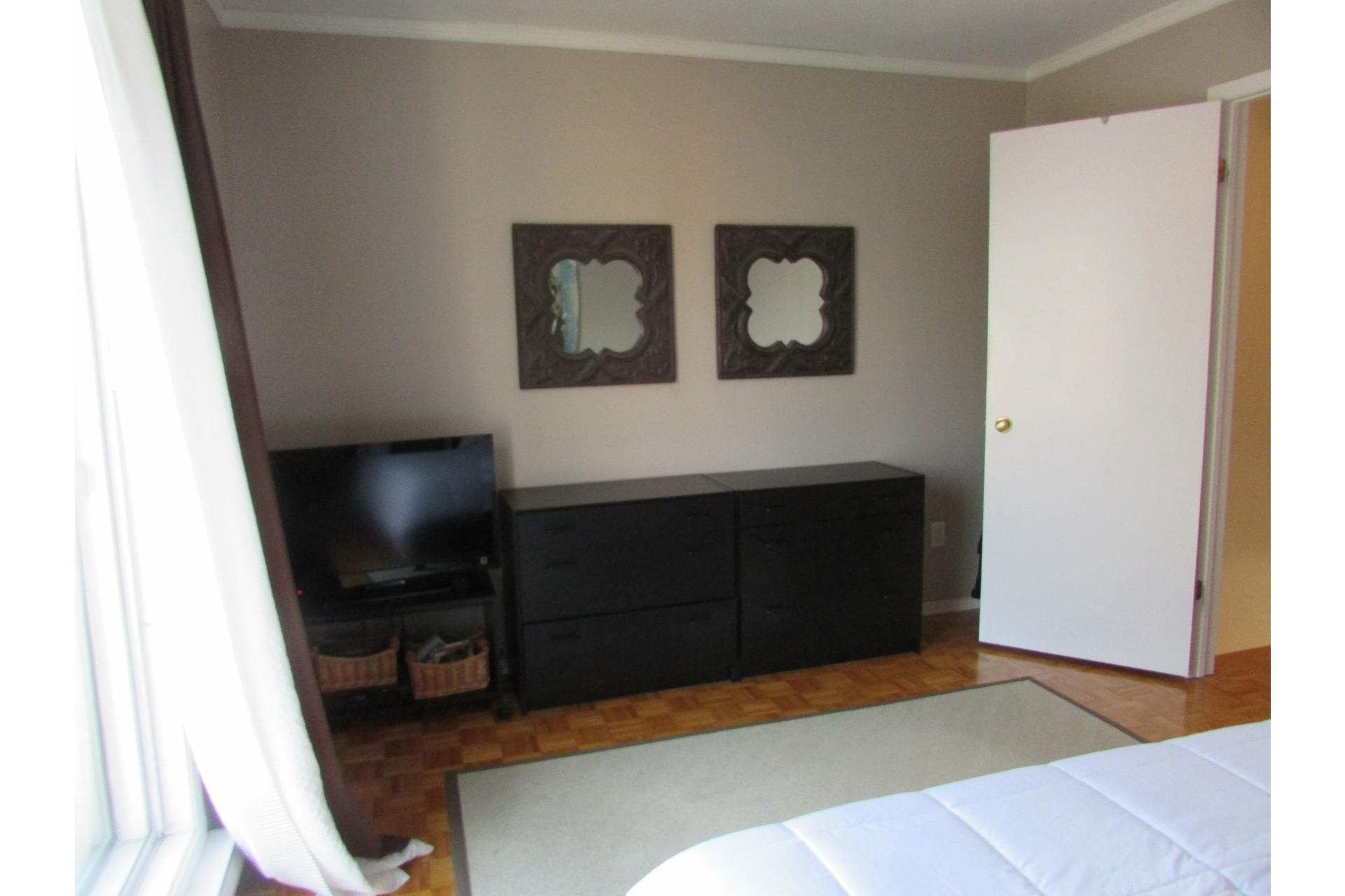 image 9 - House For sale Sainte-Dorothée Laval  - 7 rooms