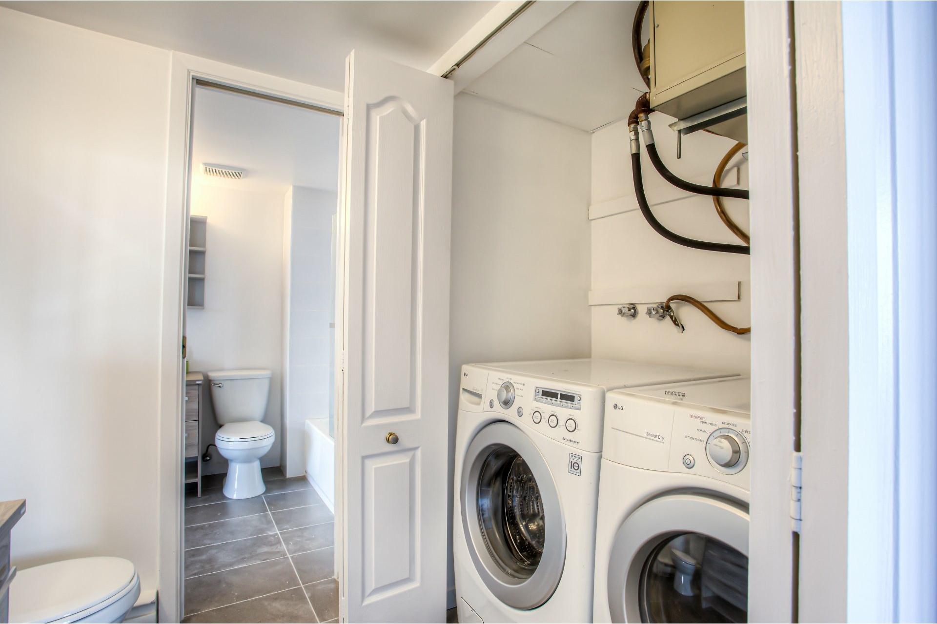 image 21 - Apartment For rent Saint-Laurent Montréal  - 8 rooms