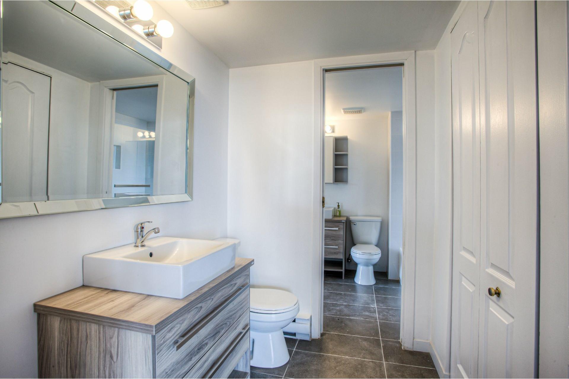 image 15 - Apartment For rent Saint-Laurent Montréal  - 8 rooms