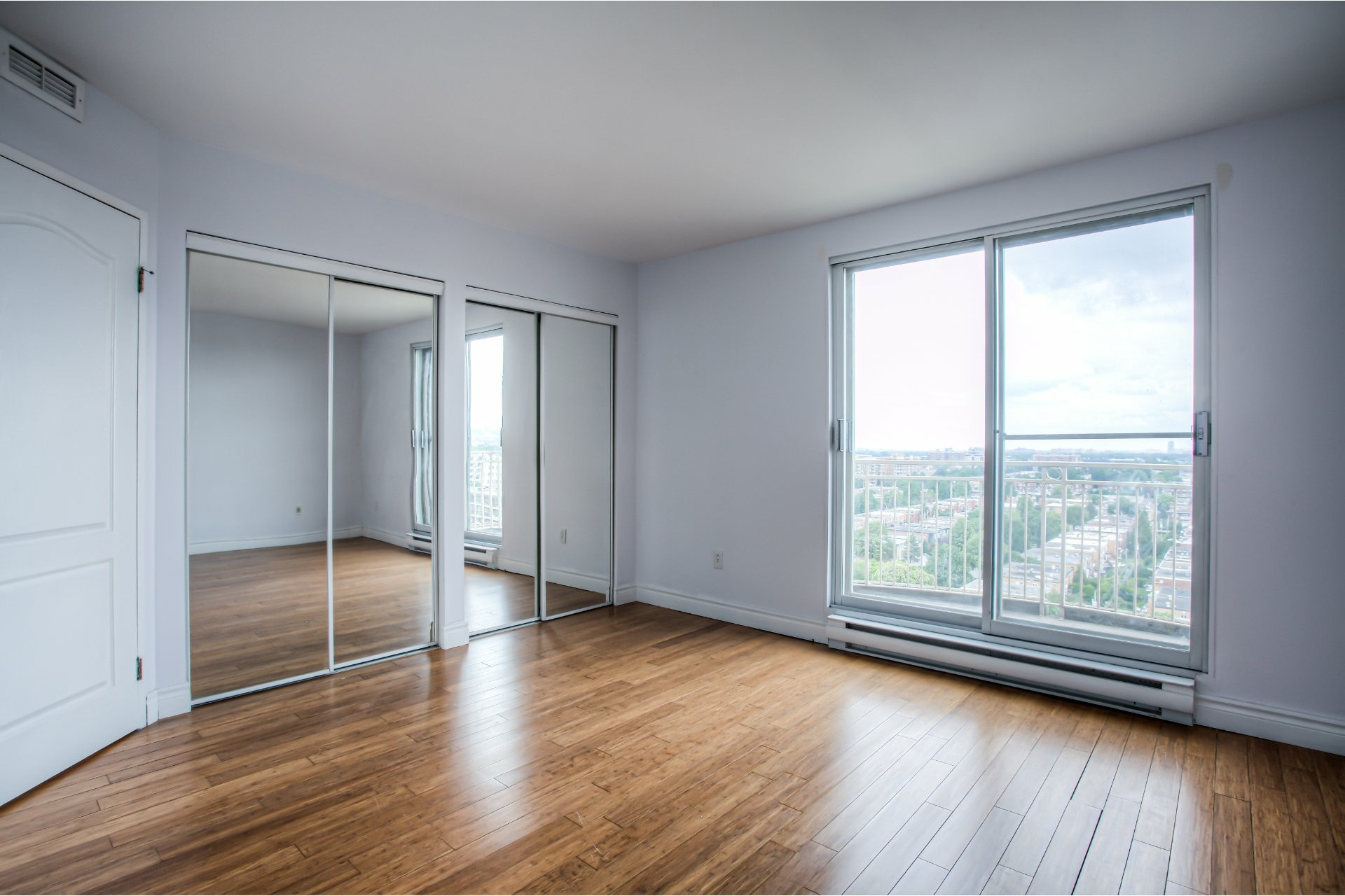 image 17 - Apartment For rent Saint-Laurent Montréal  - 8 rooms