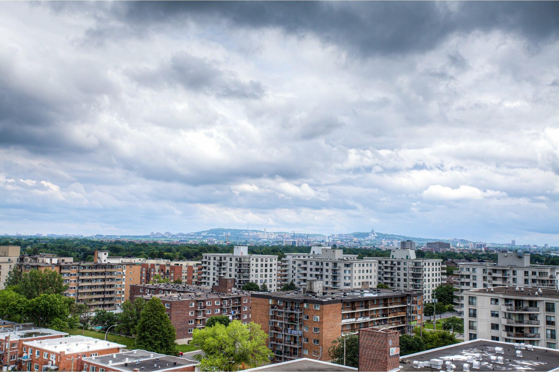 image 24 - Apartment For rent Saint-Laurent Montréal  - 8 rooms