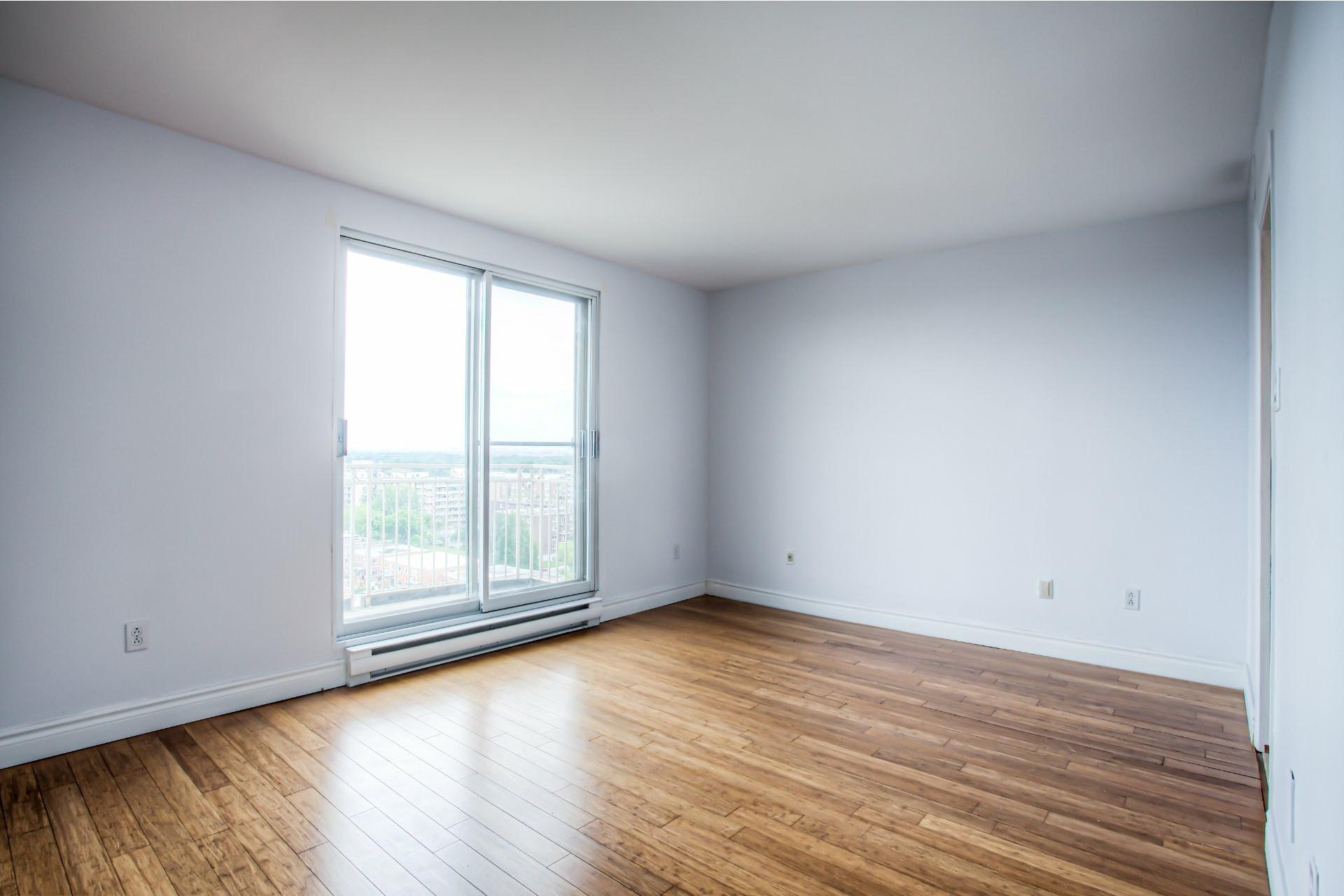 image 18 - Apartment For rent Saint-Laurent Montréal  - 8 rooms