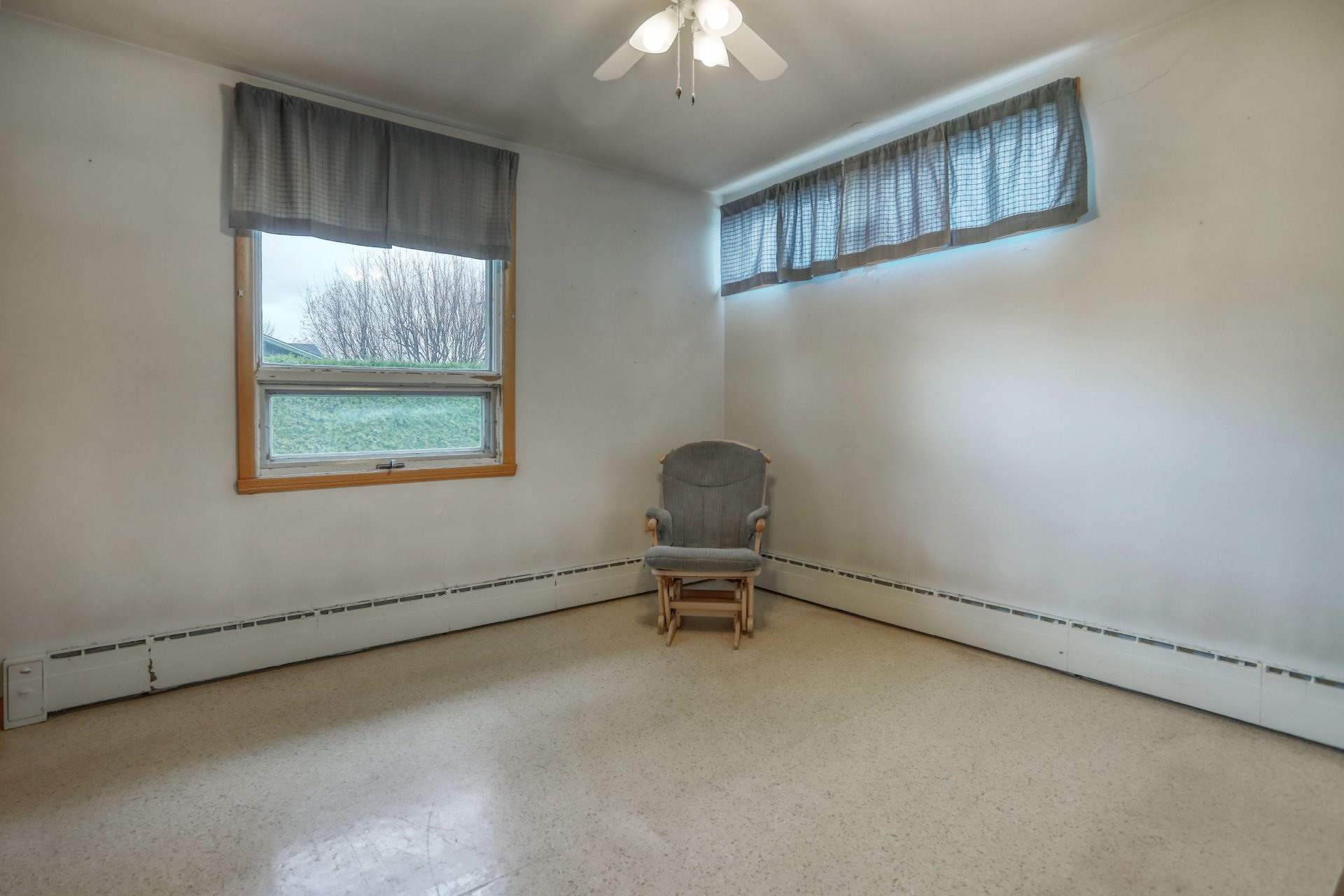 image 16 - House For sale Salaberry-de-Valleyfield - 10 rooms