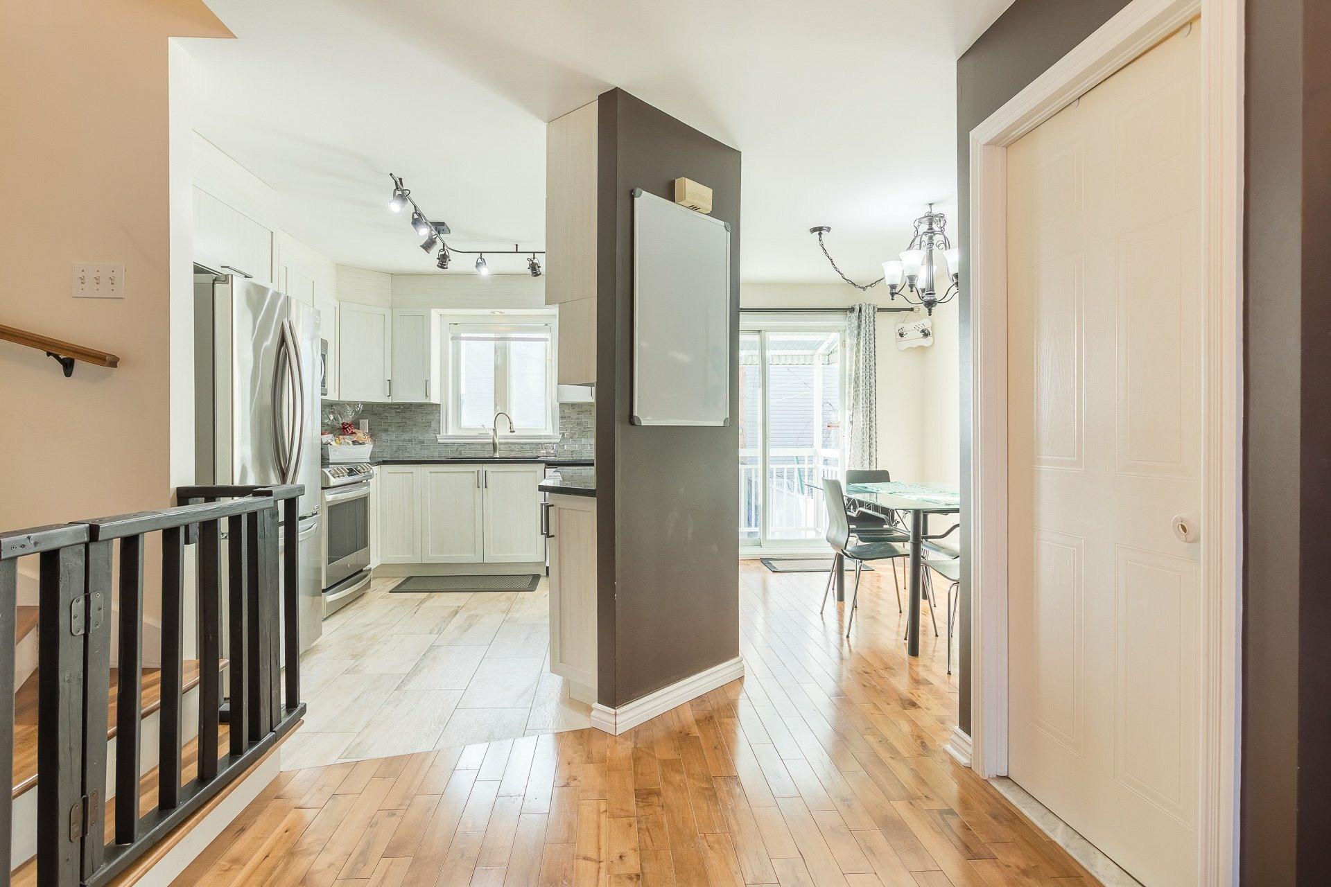 image 7 - House For sale Rivière-des-Prairies/Pointe-aux-Trembles Montréal  - 9 rooms
