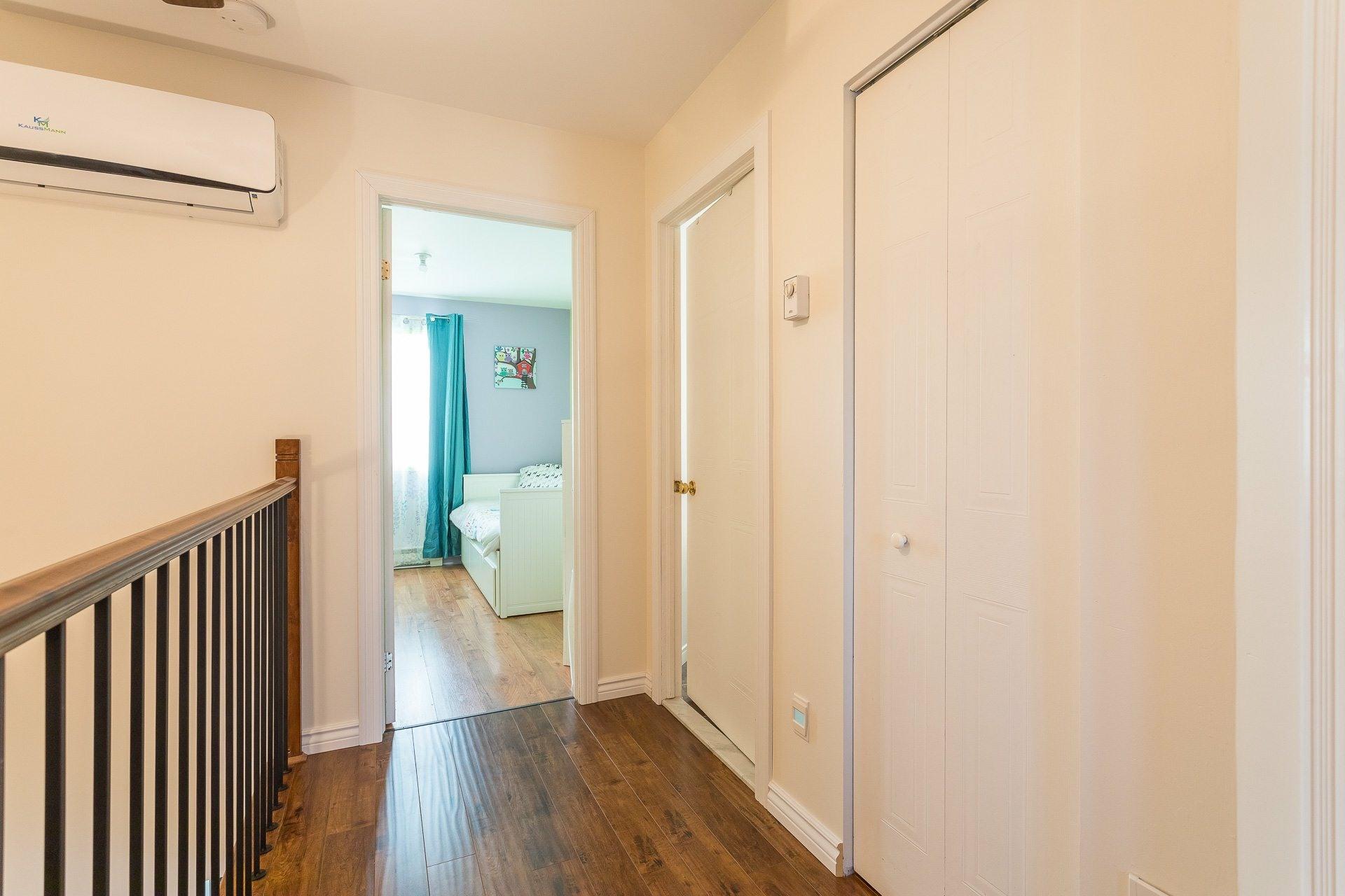image 15 - House For sale Rivière-des-Prairies/Pointe-aux-Trembles Montréal  - 9 rooms