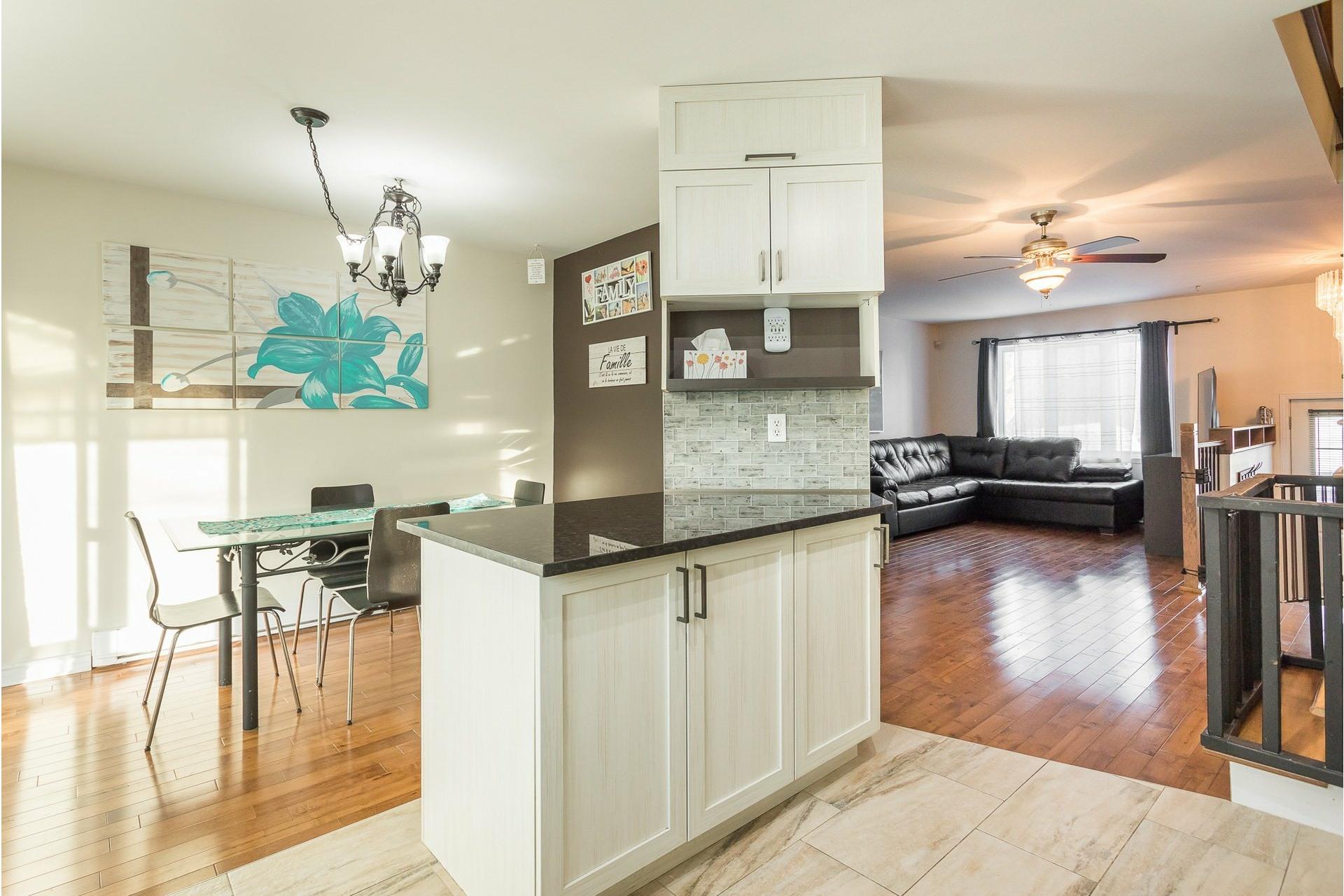 image 14 - House For sale Rivière-des-Prairies/Pointe-aux-Trembles Montréal  - 9 rooms