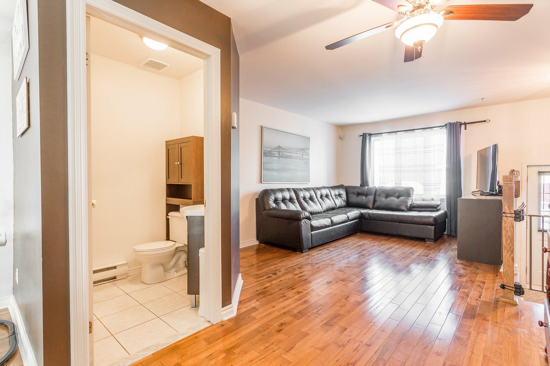 image 4 - House For sale Rivière-des-Prairies/Pointe-aux-Trembles Montréal  - 9 rooms