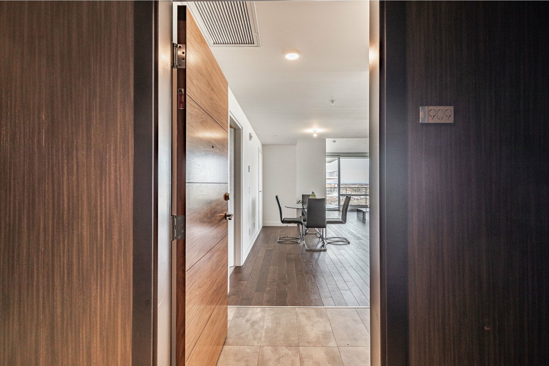image 2 - Apartment For rent Chomedey Laval  - 7 rooms