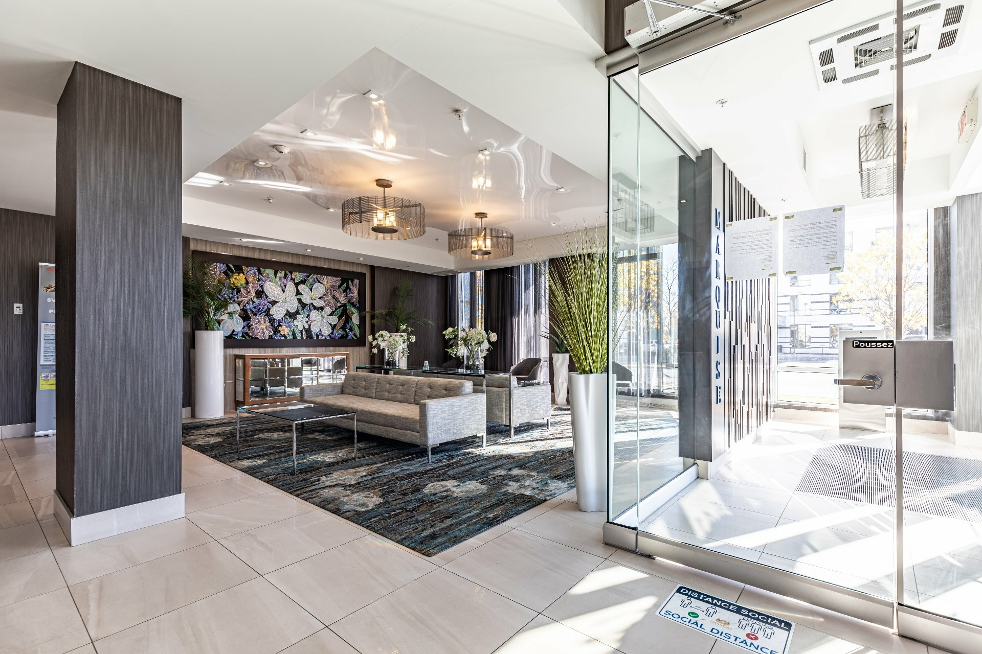 image 1 - Apartment For rent Chomedey Laval  - 7 rooms
