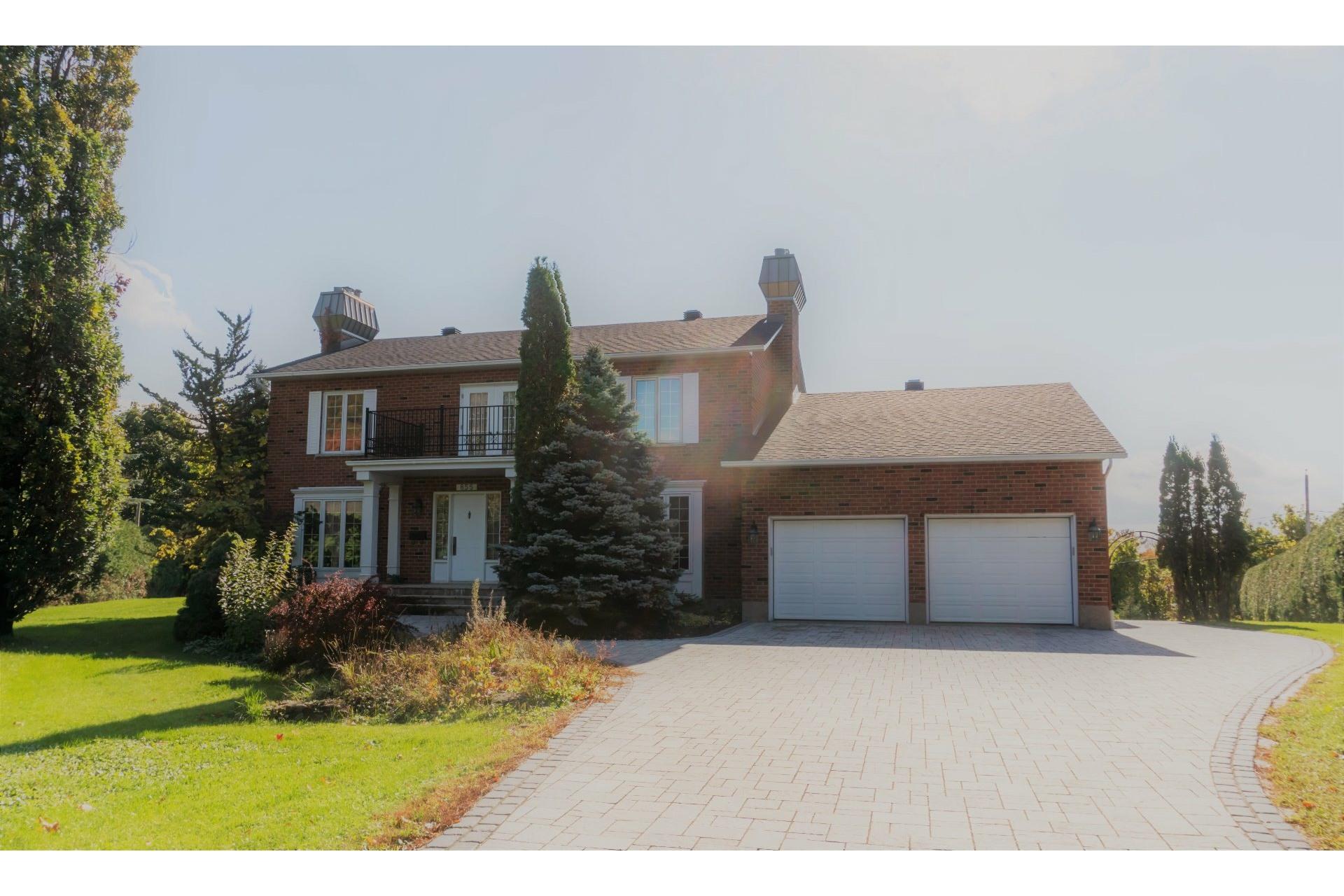 image 1 - House For sale Mont-Saint-Hilaire
