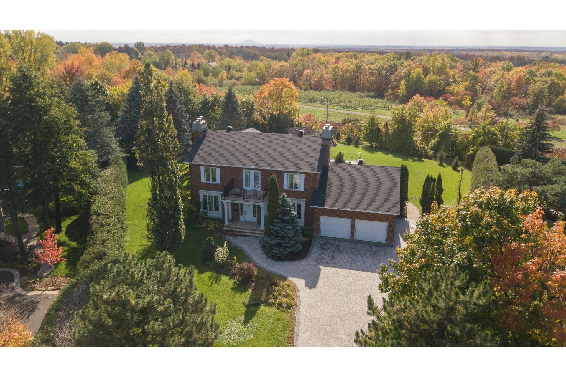 image 2 - House For sale Mont-Saint-Hilaire