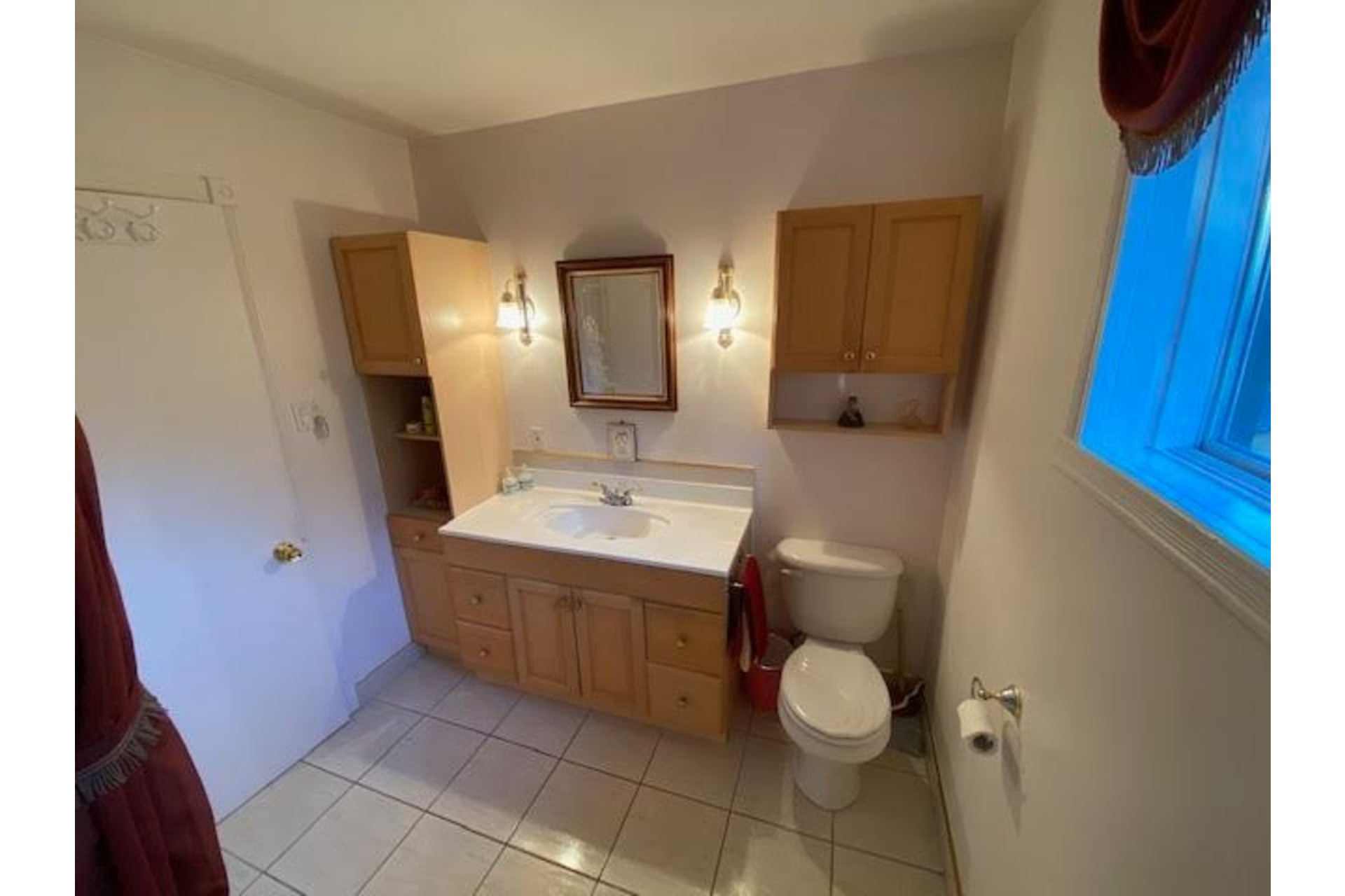 image 8 - House For sale Amherst - 10 rooms