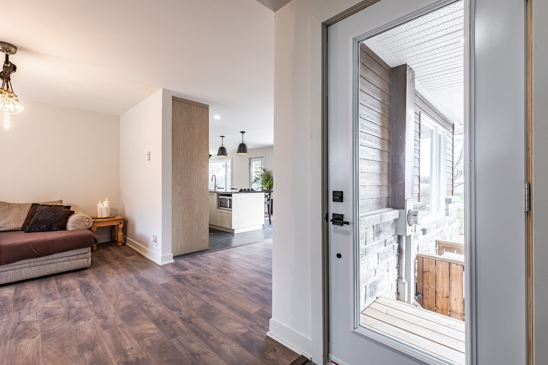 image 2 - Maison À vendre Saint-Cyprien-de-Napierville - 11 pièces