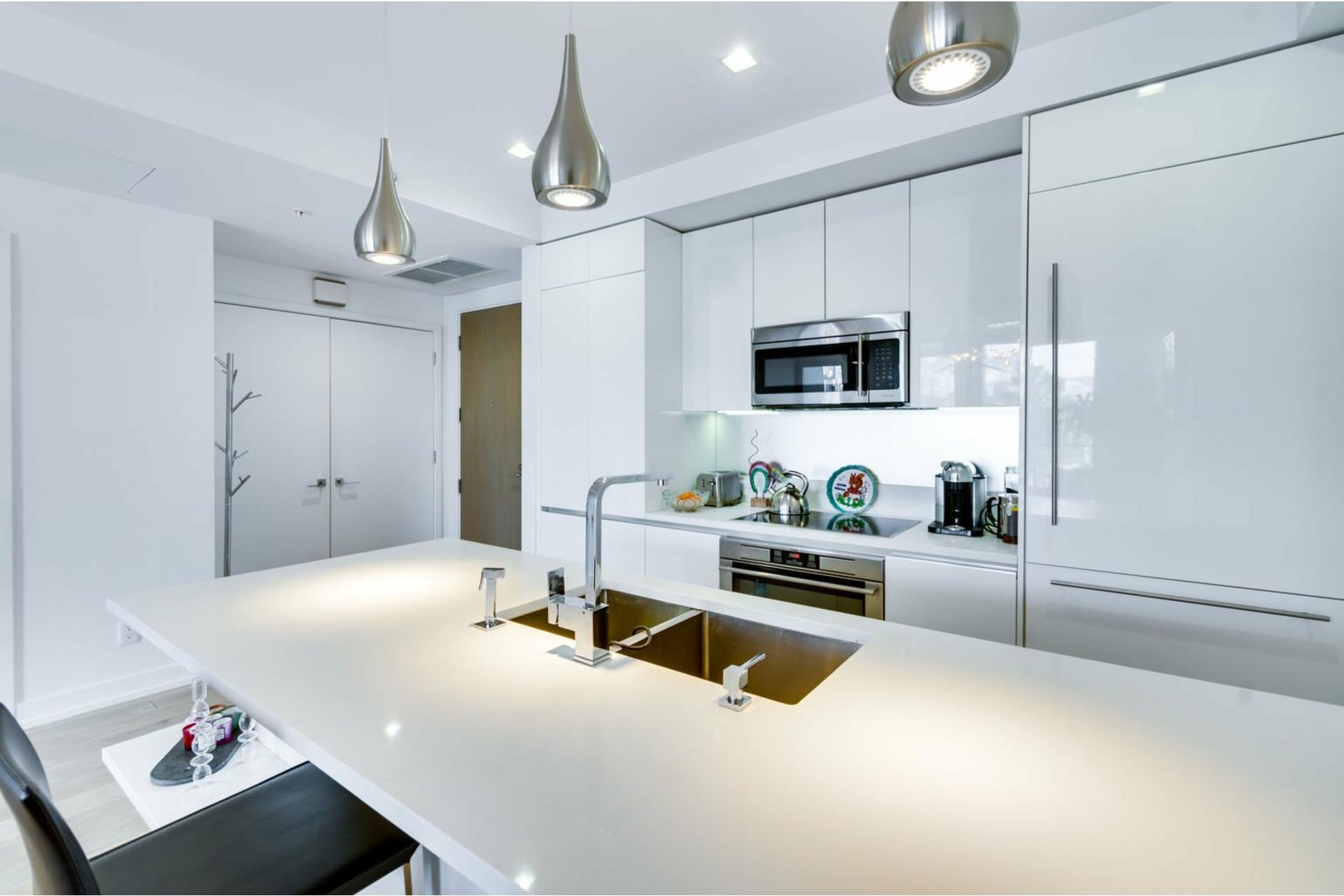image 7 - Apartment For rent Le Sud-Ouest Montréal  - 3 rooms