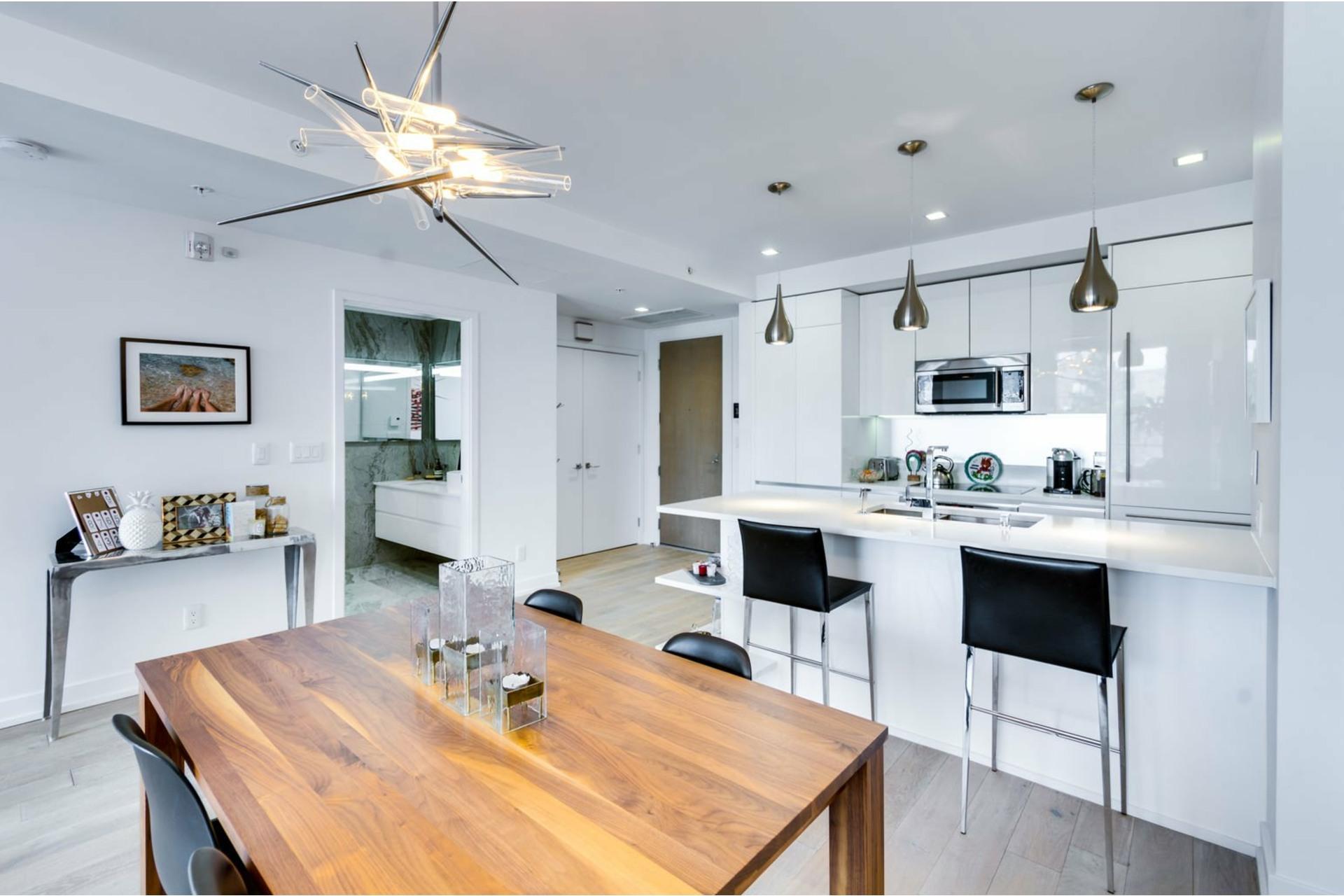 image 4 - Apartment For rent Le Sud-Ouest Montréal  - 3 rooms