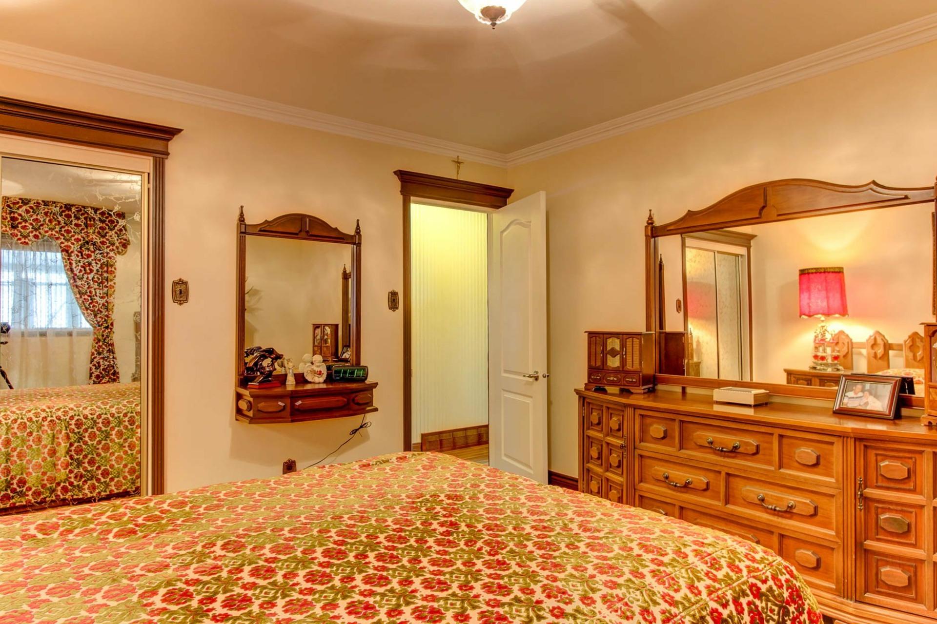 image 9 - House For sale Trois-Rivières - 13 rooms