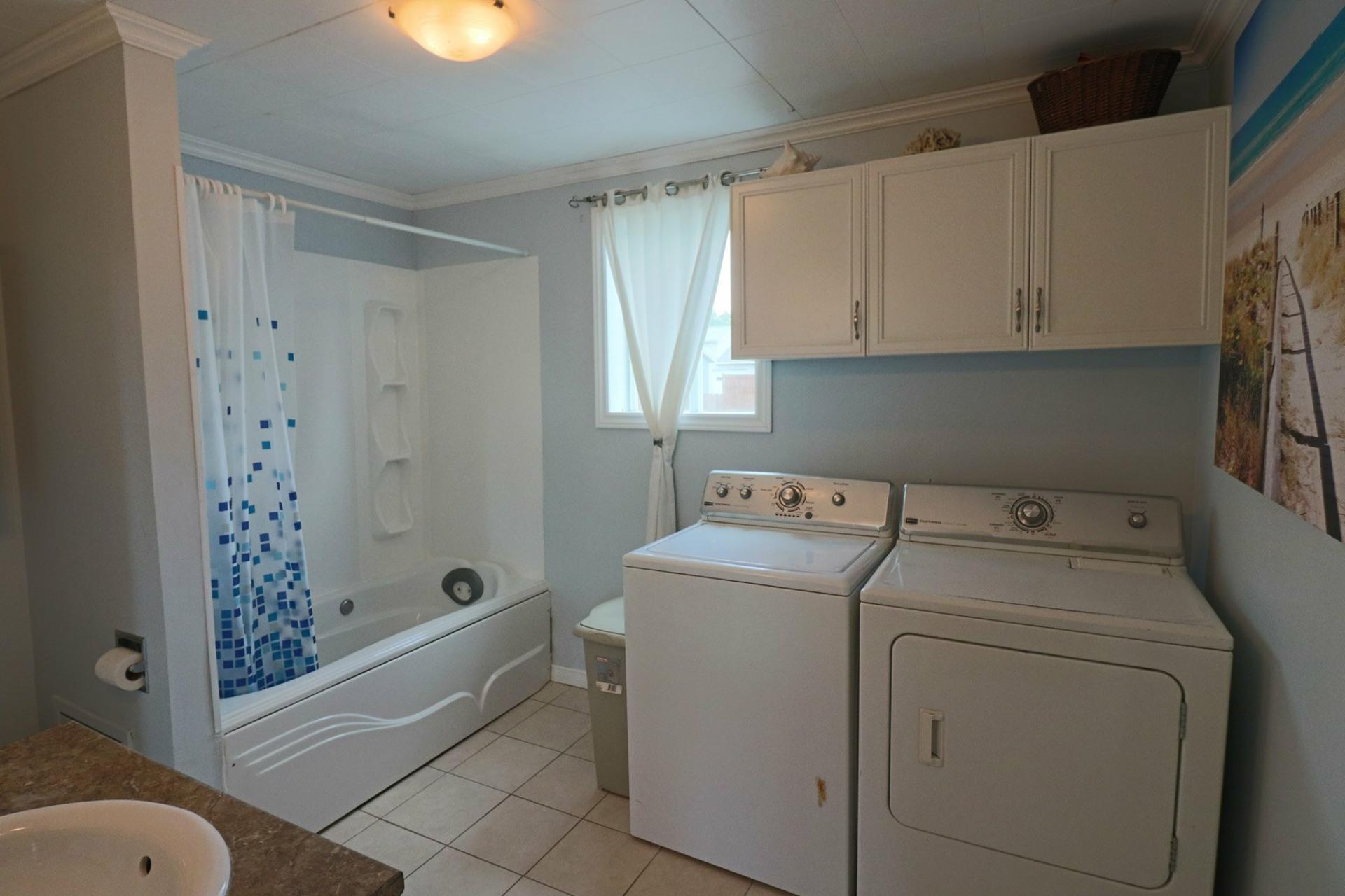 image 13 - House For sale Saint-Luc-de-Vincennes - 9 rooms