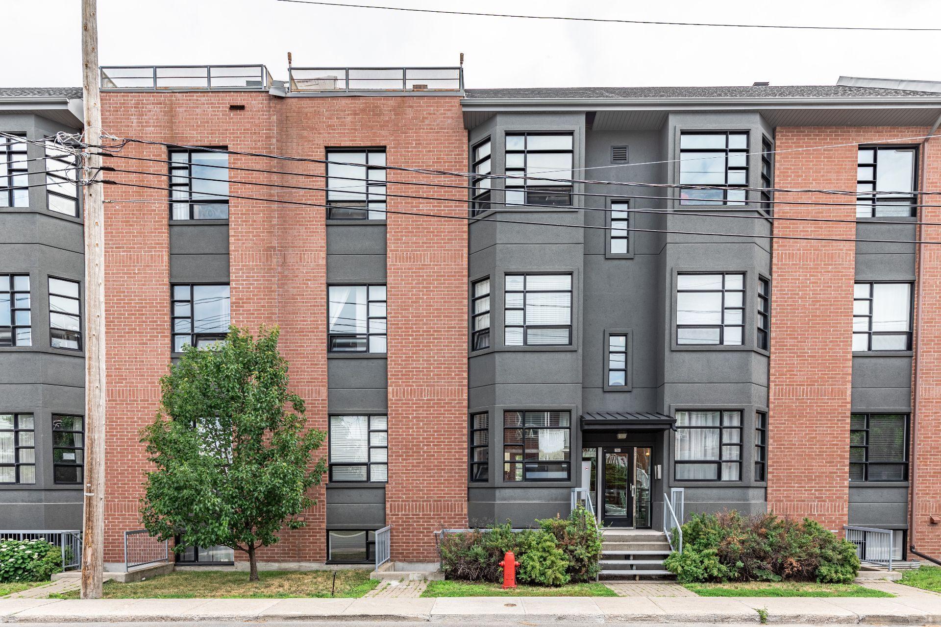 image 0 - Appartement À vendre Lachine Montréal  - 3 pièces