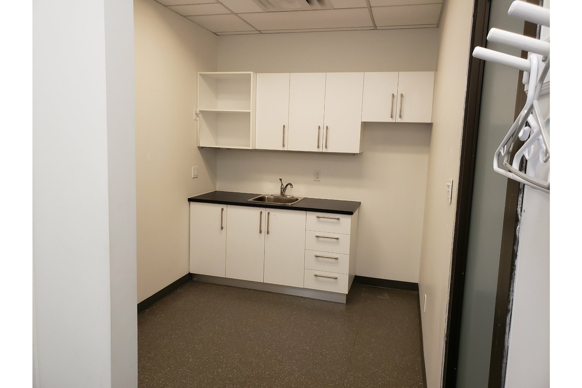 image 4 - Office For rent Chomedey Laval