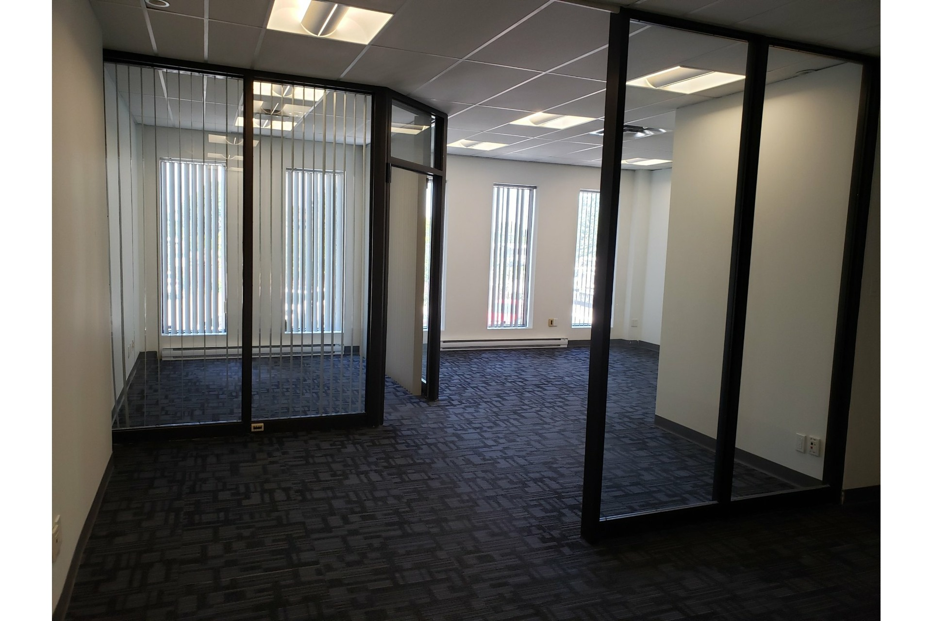 image 1 - Office For rent Chomedey Laval