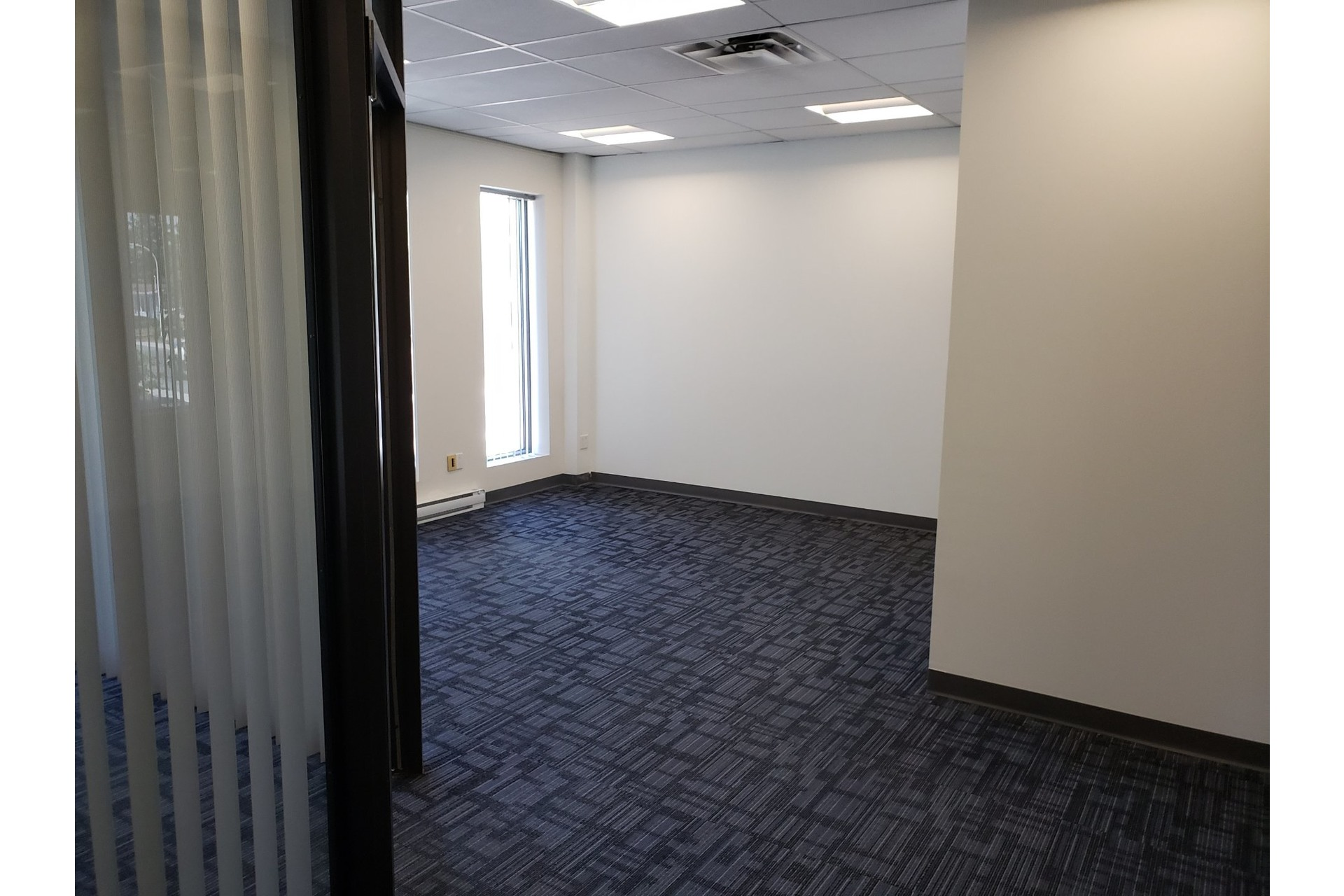 image 2 - Office For rent Chomedey Laval