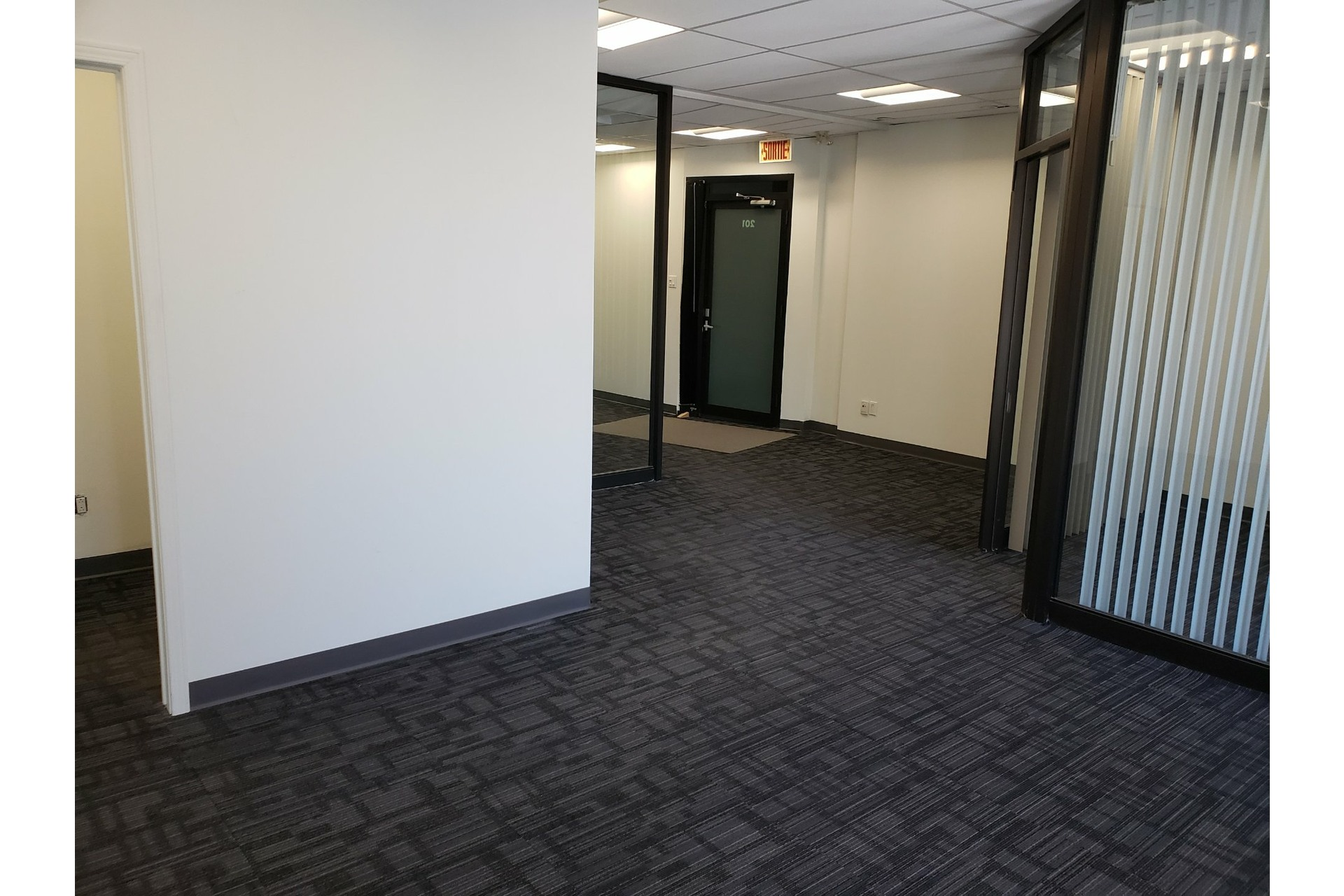 image 3 - Office For rent Chomedey Laval