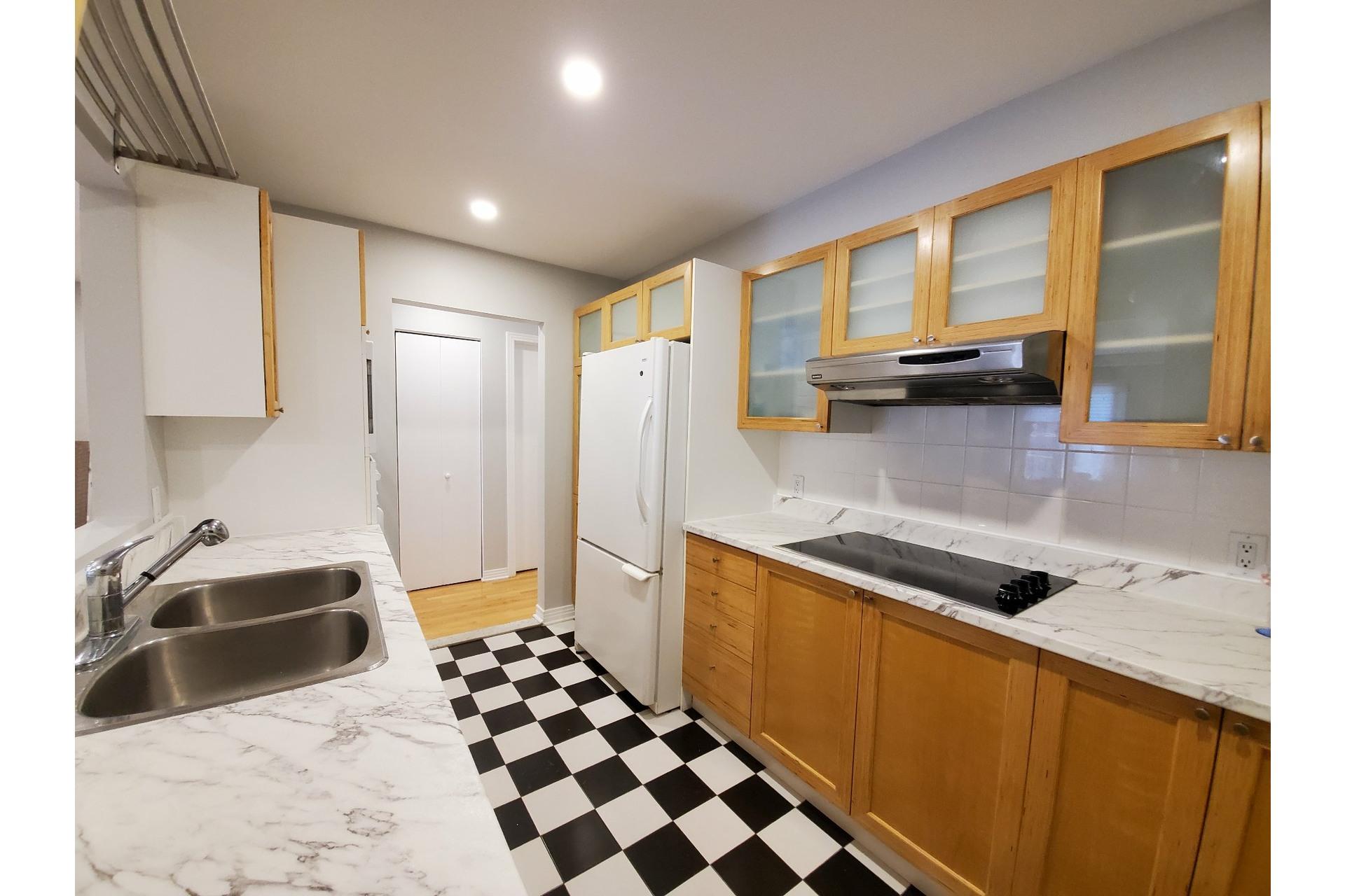 image 10 - Apartment For sale Ville-Marie Montréal  - 5 rooms