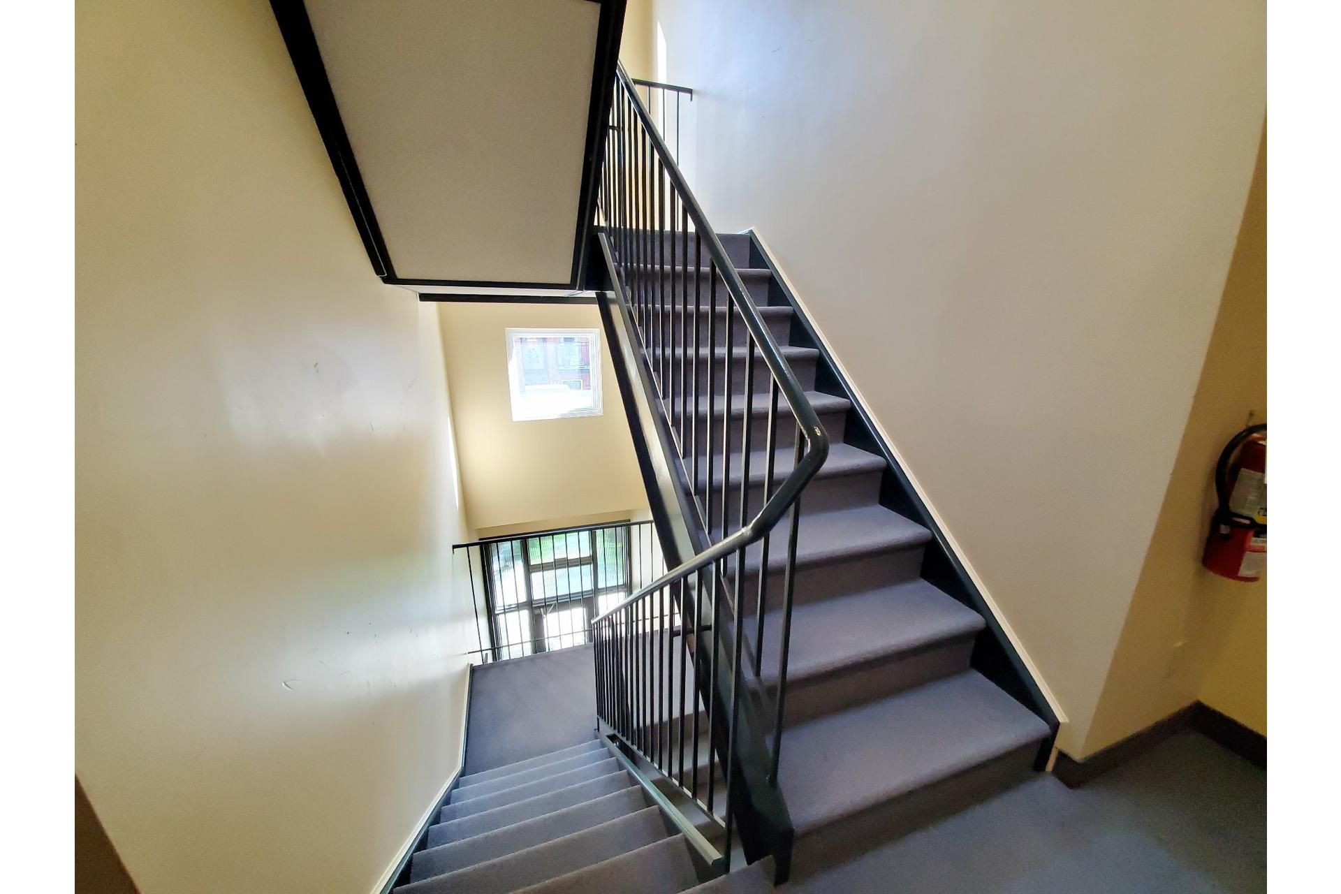 image 31 - Apartment For sale Ville-Marie Montréal  - 5 rooms