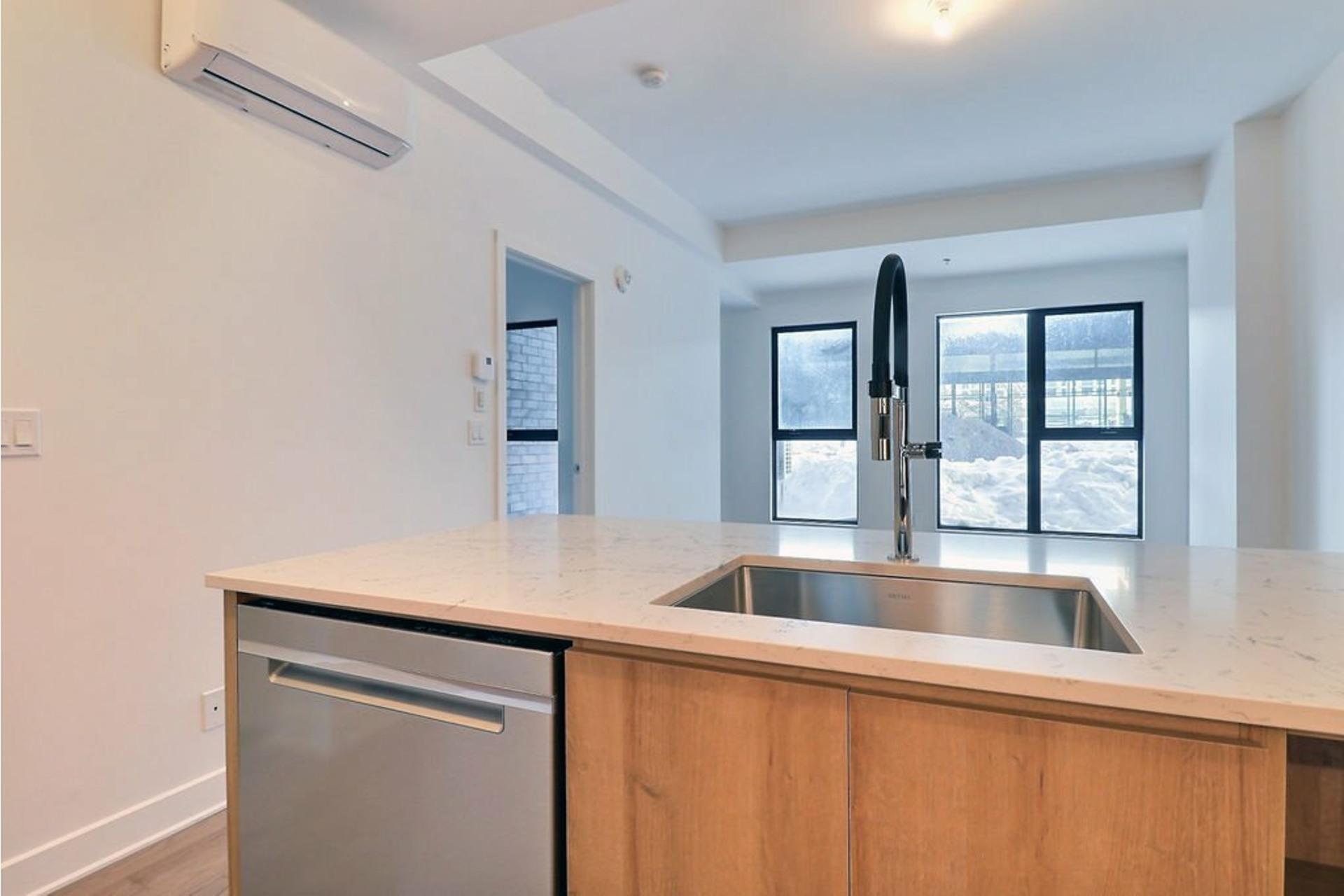 image 10 - Apartment For rent Le Sud-Ouest Montréal  - 5 rooms