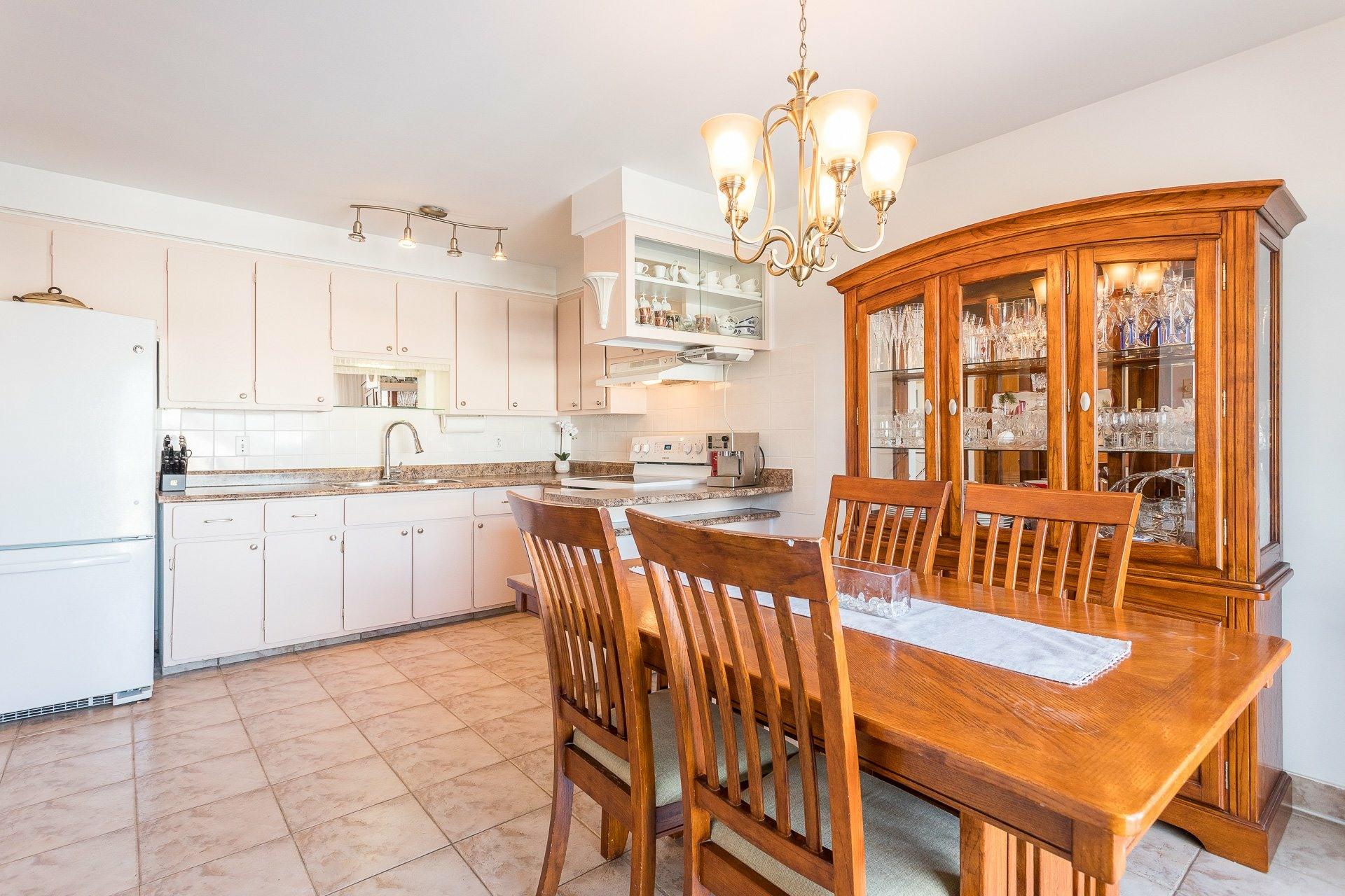 image 6 - House For sale Montréal-Nord Montréal  - 9 rooms