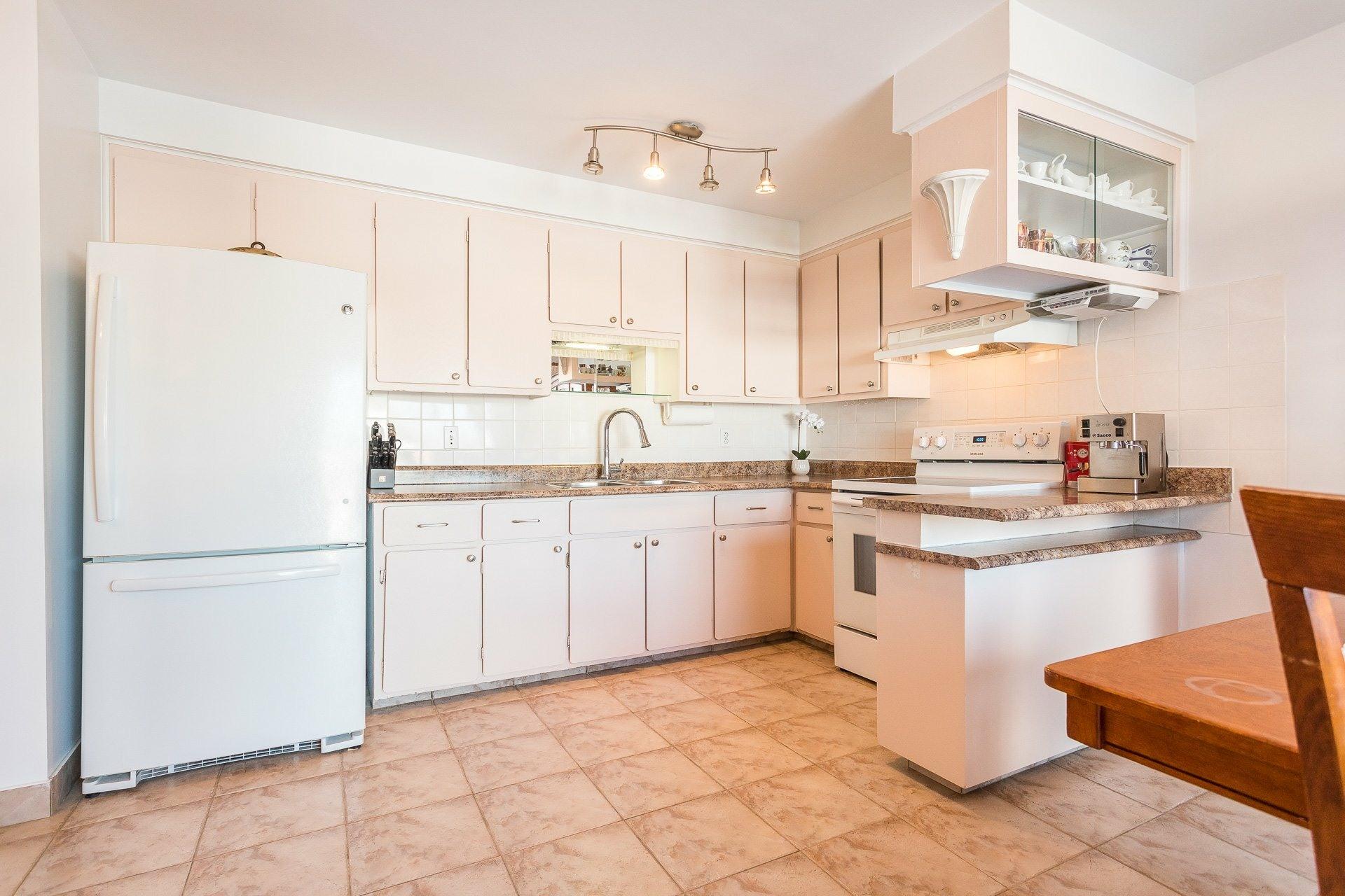 image 4 - House For sale Montréal-Nord Montréal  - 9 rooms