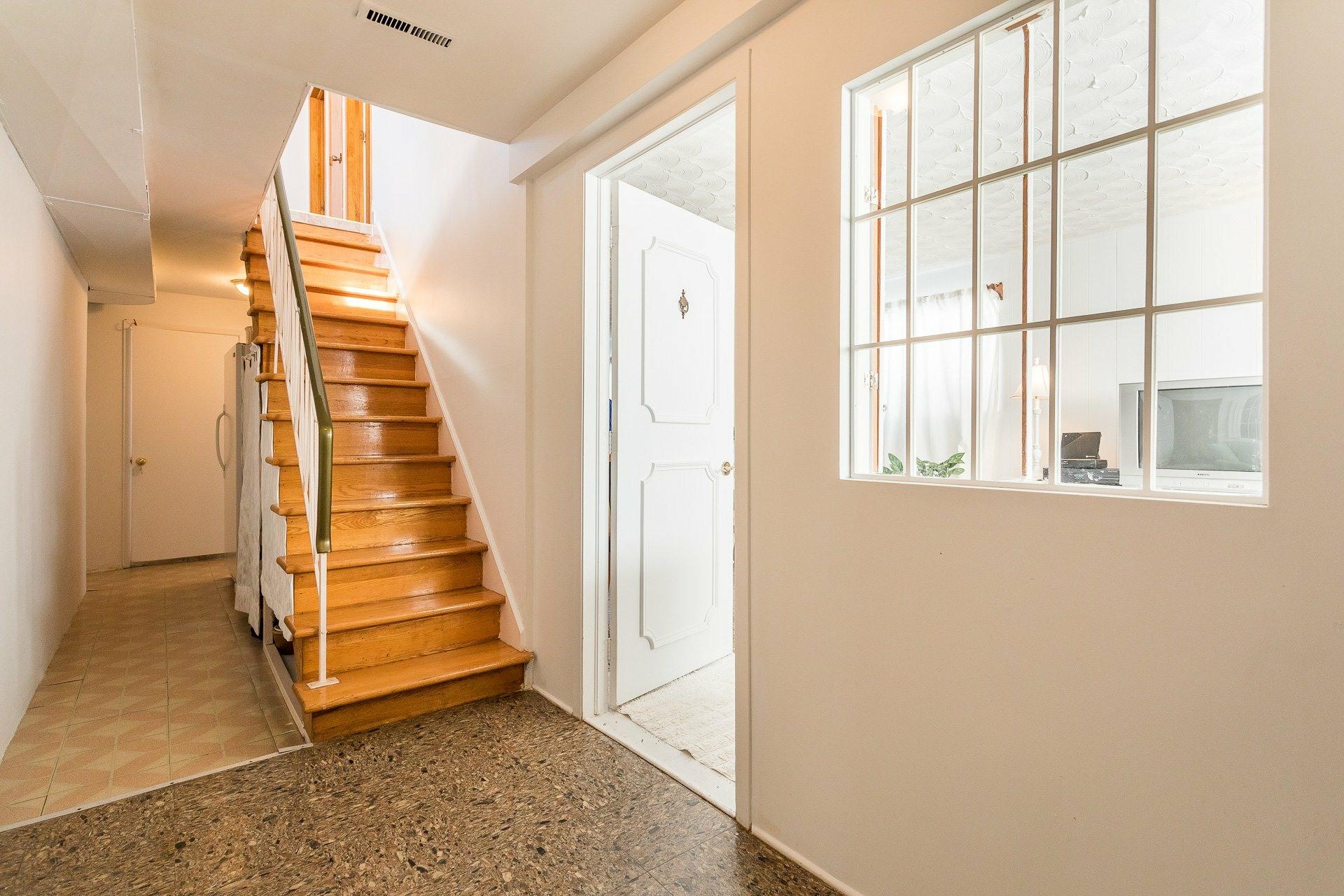 image 16 - House For sale Montréal-Nord Montréal  - 9 rooms