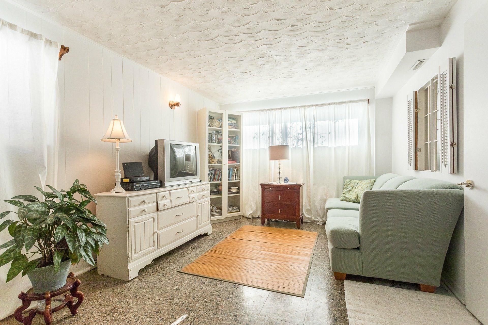 image 18 - House For sale Montréal-Nord Montréal  - 9 rooms