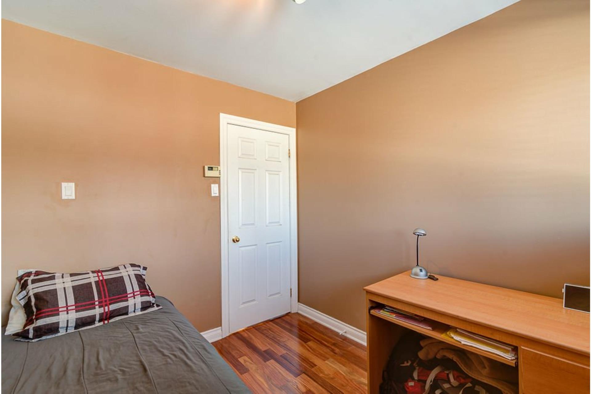 image 27 - House For sale Montréal-Nord Montréal  - 10 rooms