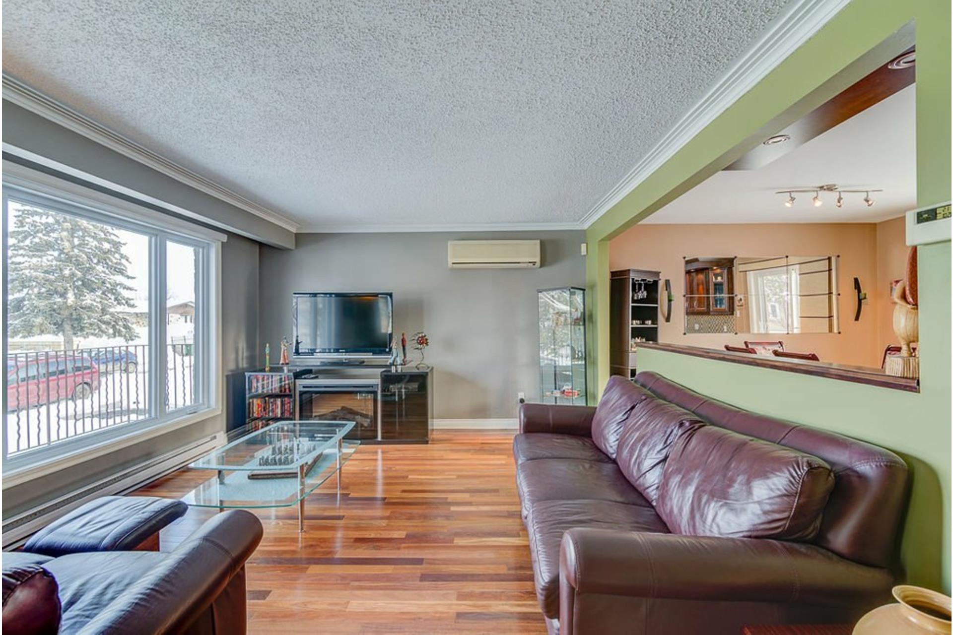 image 1 - House For sale Montréal-Nord Montréal  - 10 rooms
