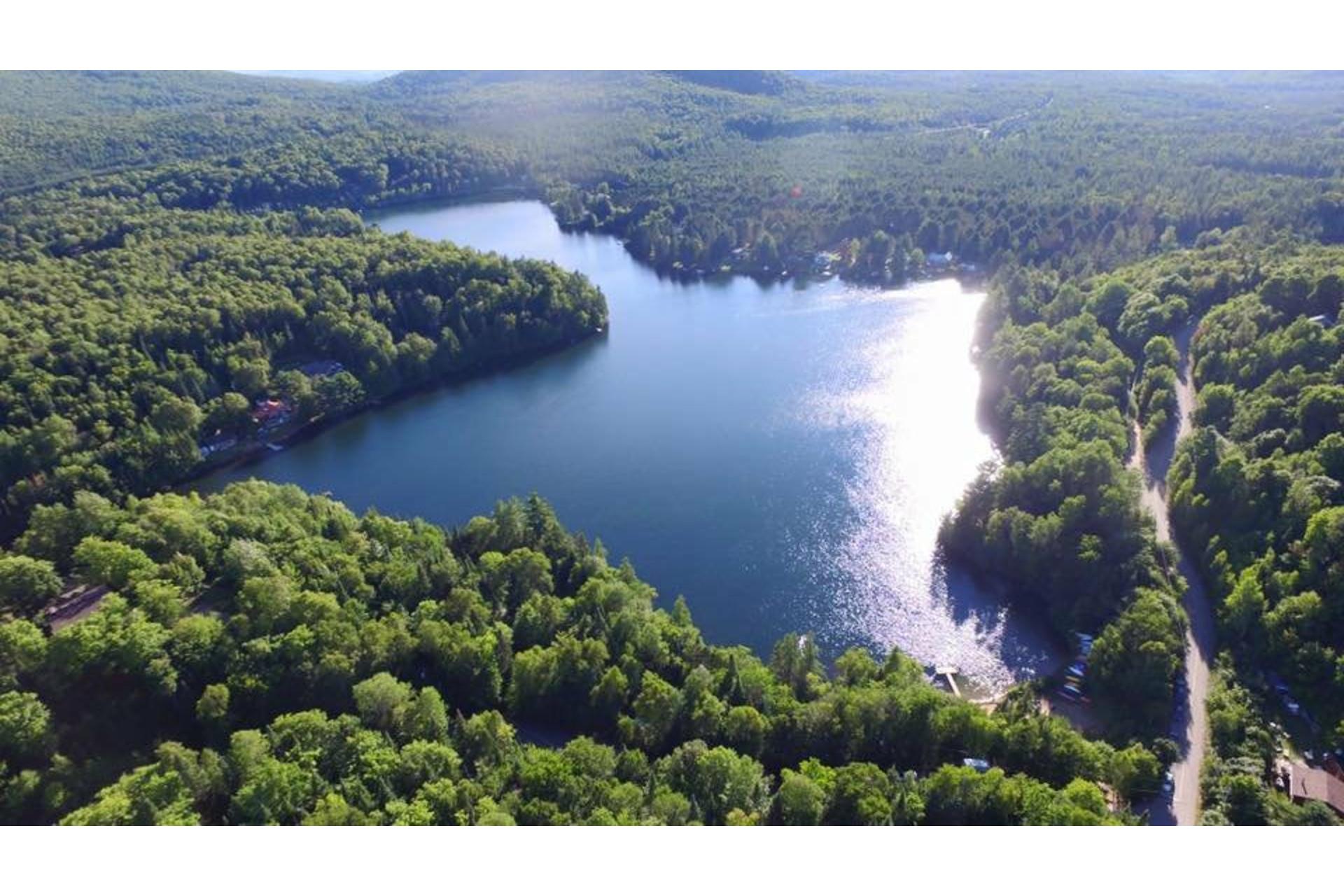 image 1 - Terrain À vendre Lac-Supérieur