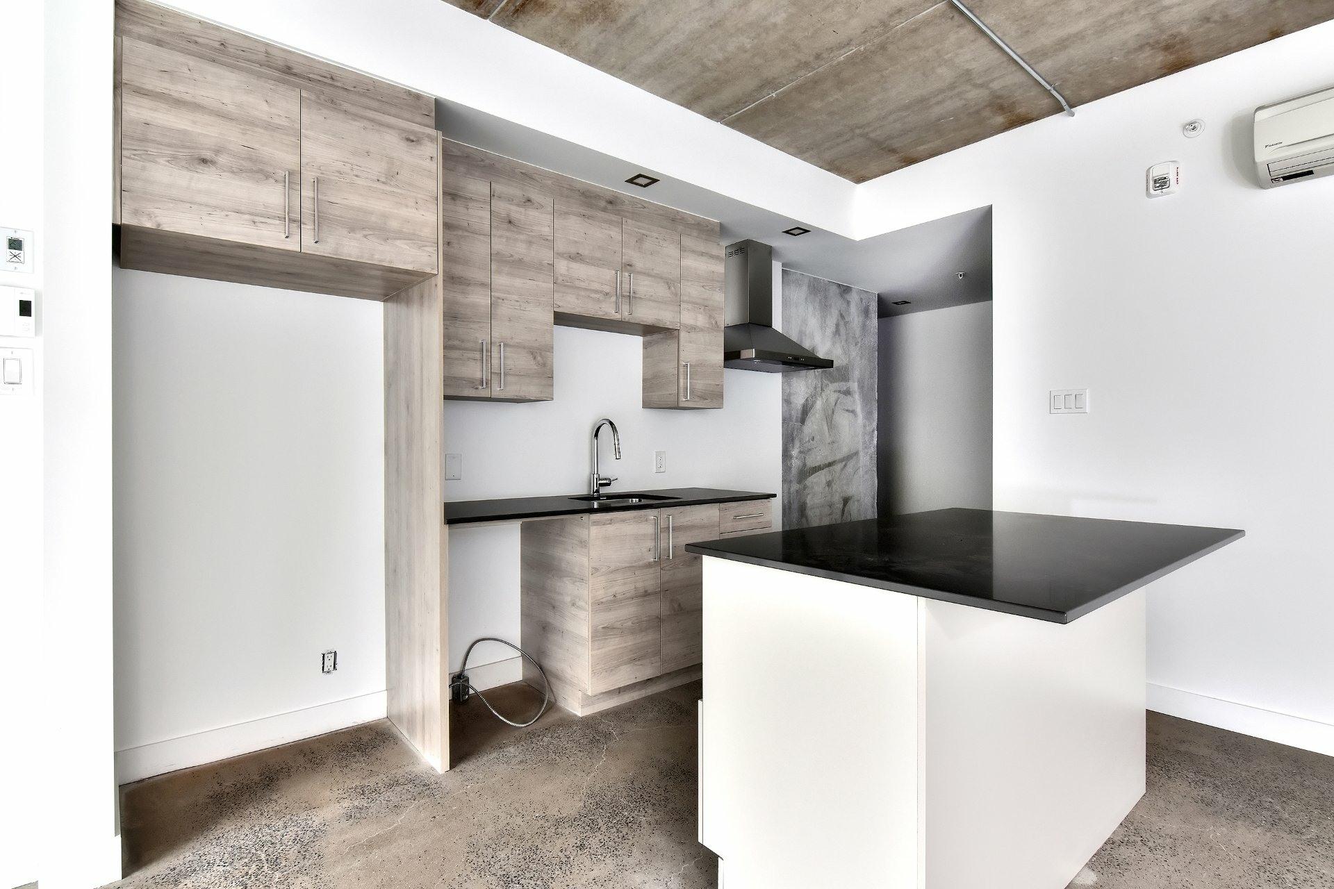 image 3 - Appartement À louer Le Sud-Ouest Montréal  - 7 pièces