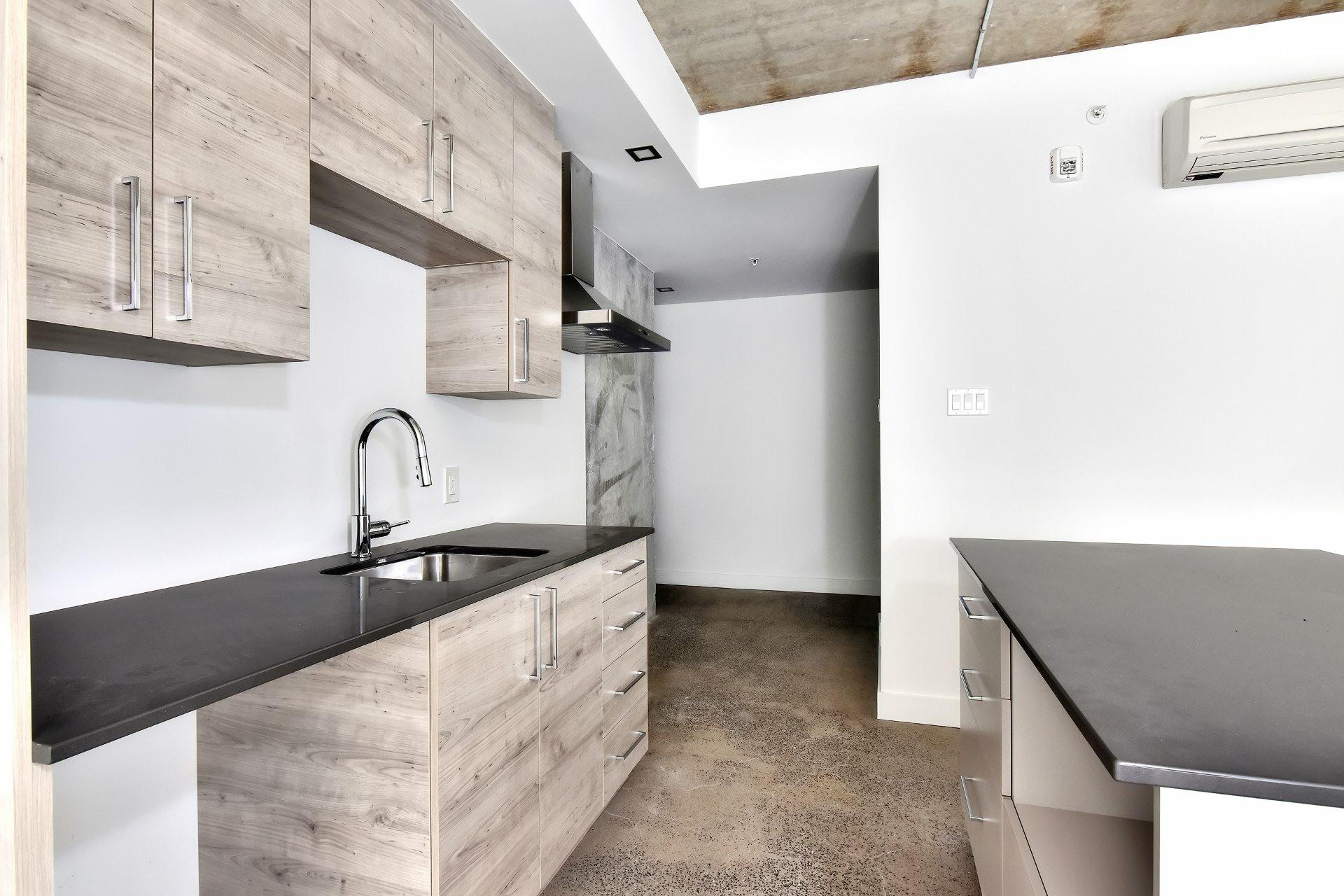 image 5 - Appartement À louer Le Sud-Ouest Montréal  - 7 pièces