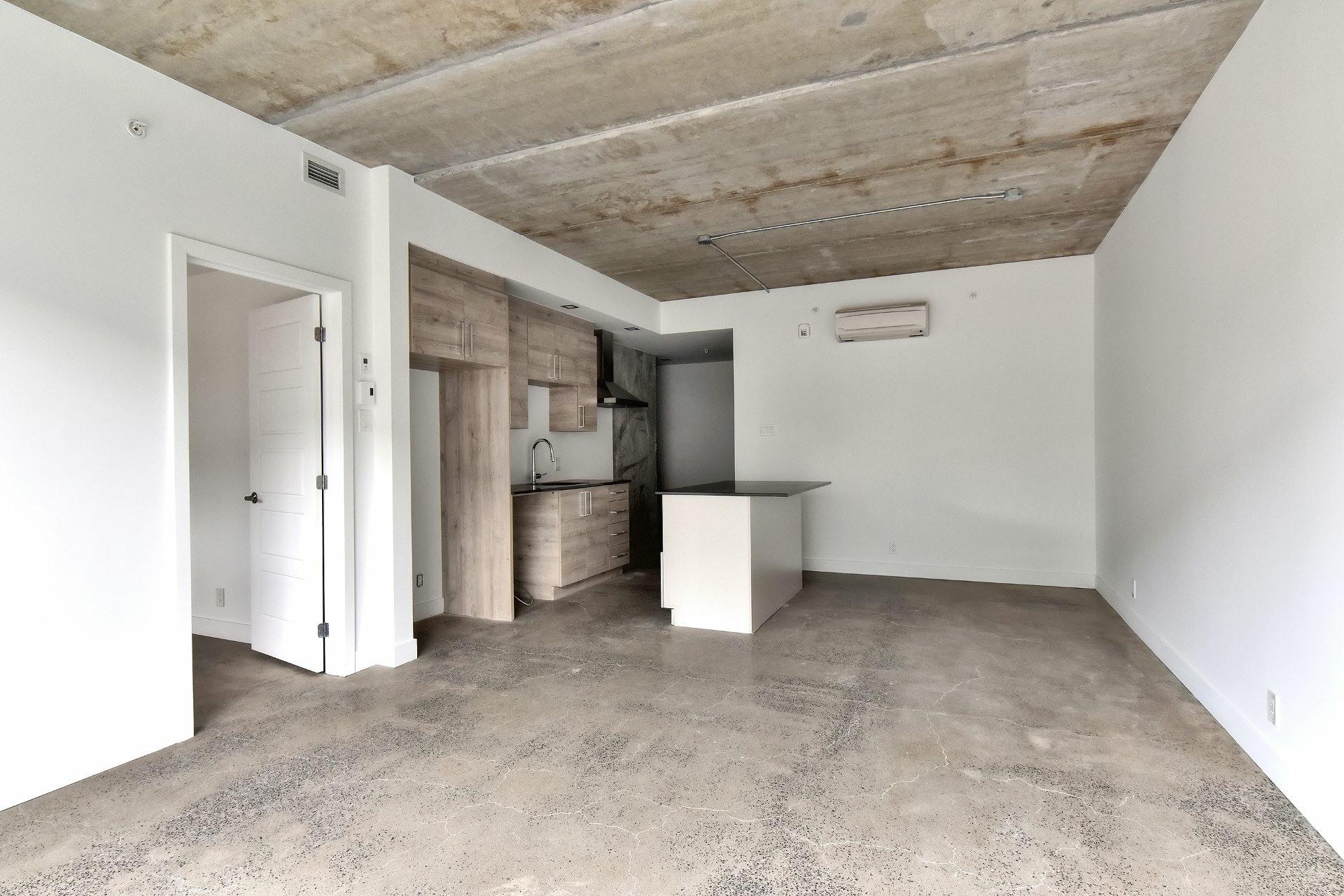 image 6 - Appartement À louer Le Sud-Ouest Montréal  - 7 pièces