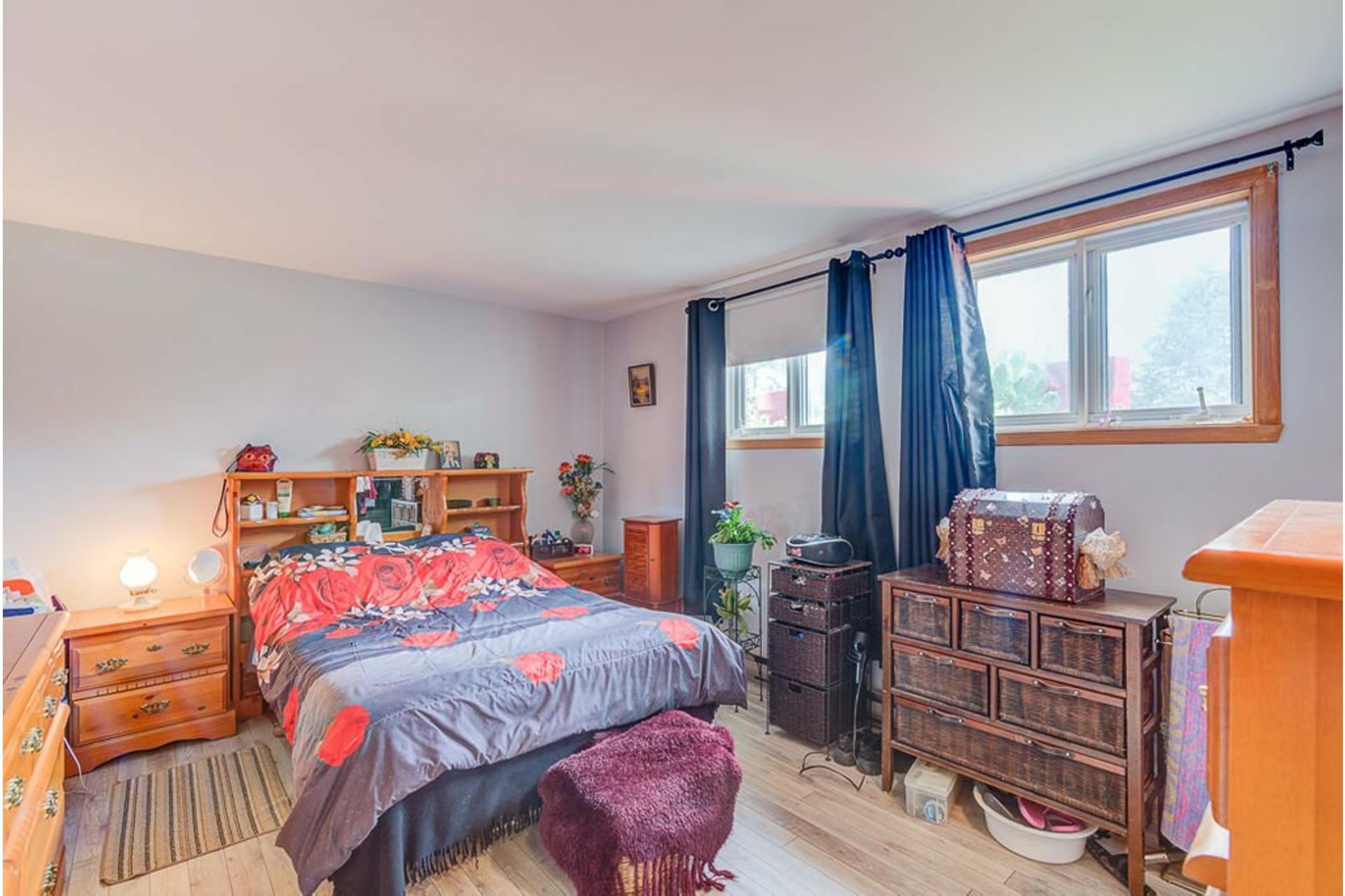 image 13 - Maison À vendre Sainte-Anne-des-Plaines - 11 pièces
