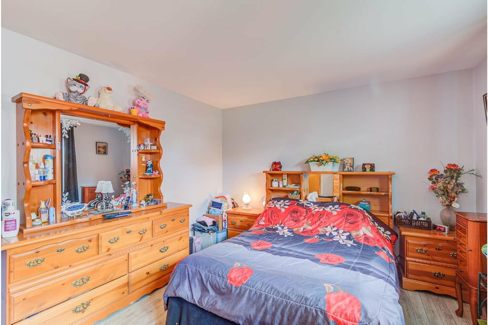image 14 - Maison À vendre Sainte-Anne-des-Plaines - 11 pièces